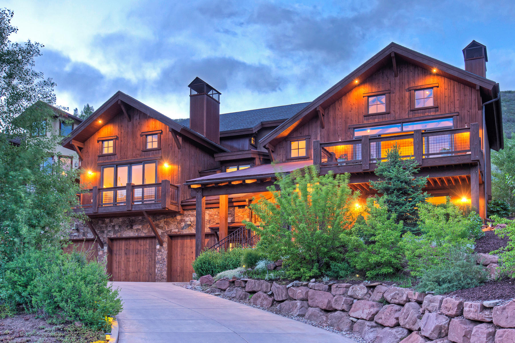 独户住宅 为 销售 在 Mountain Contemporary in Magical Setting with Views 2938 Daybreaker Dr 帕克城, 犹他州, 84098 美国