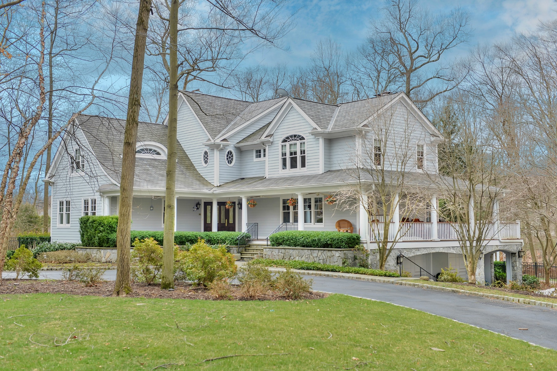 Single Family Homes for Sale at Sophisticated Country 13 Glenwood Drive Saddle River, New Jersey 07458 United States