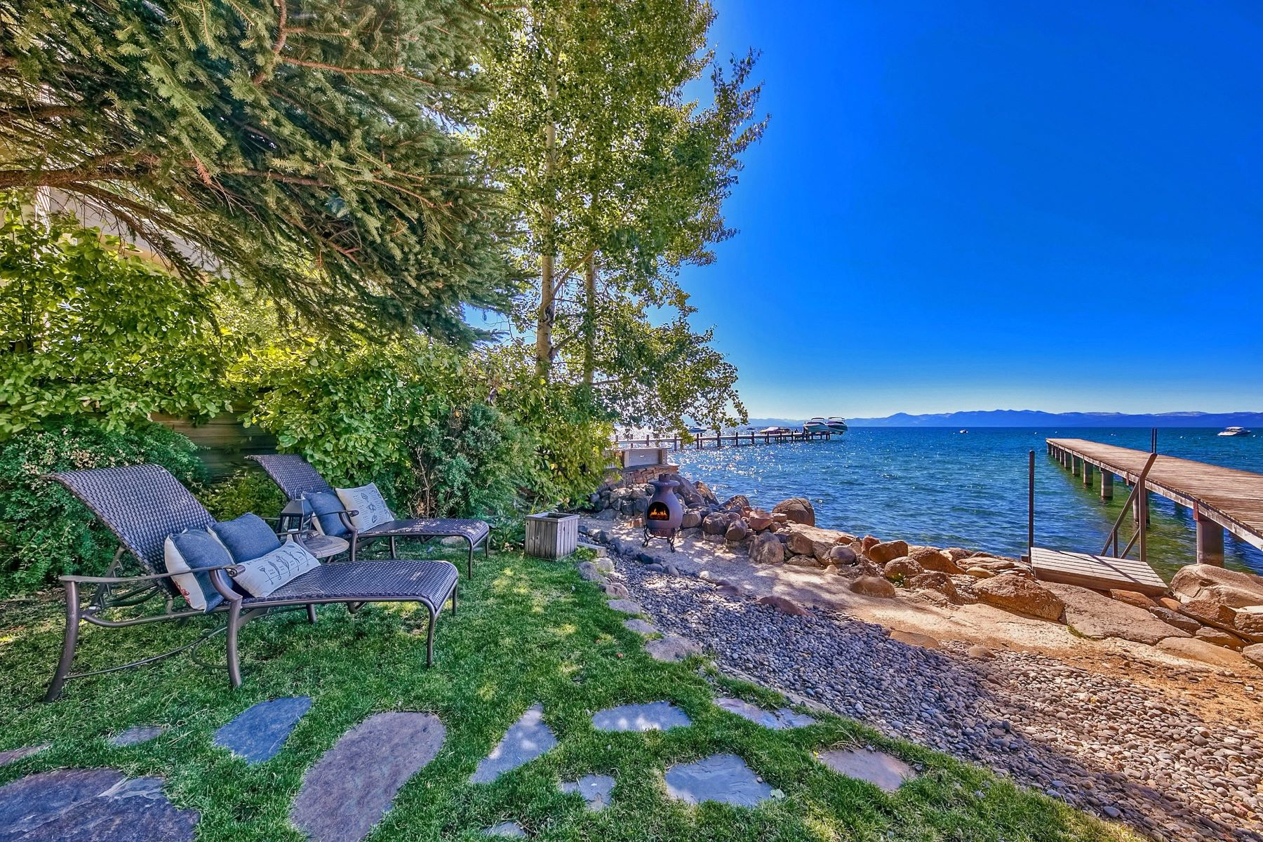 Additional photo for property listing at Lakefront Gem on Brockway Vista Avenue 8730 Brockway Vista Ave Kings Beach, California 96143 United States