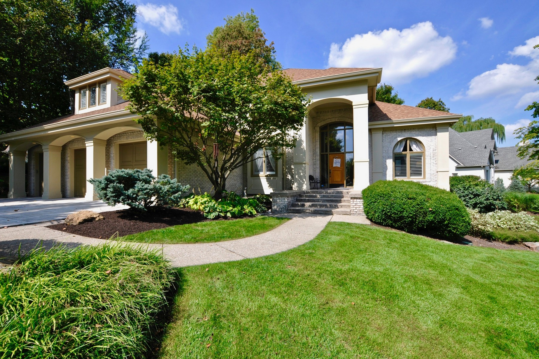 Villa per Vendita alle ore Gorgeous Windpointe Setting 4916 Waterstone Way, Carmel, Indiana, 46033 Stati Uniti