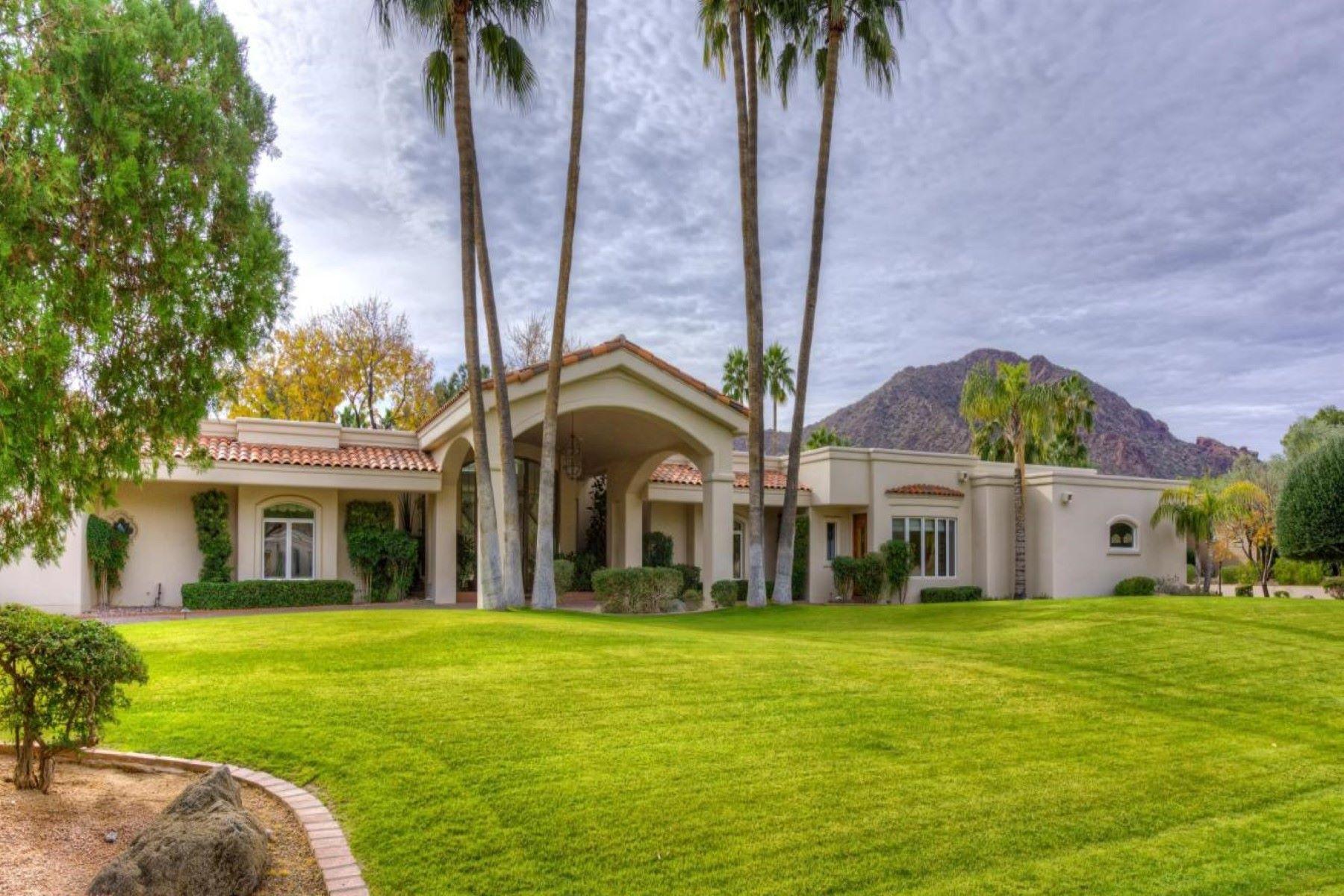 Частный односемейный дом для того Продажа на Incredible Ranch Home in Finisterre 6231 E Naumann Dr, Paradise Valley, Аризона, 85253 Соединенные Штаты