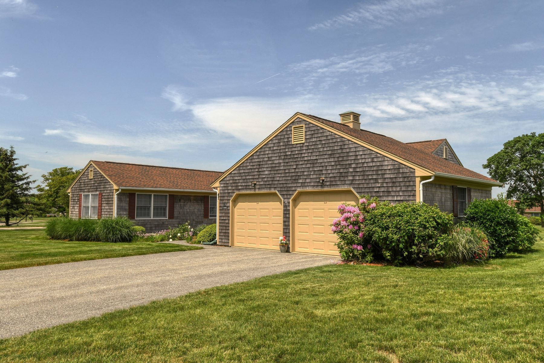 Additional photo for property listing at Oakland Farm 47 Belmont Drive Portsmouth, Rhode Island 02871 United States