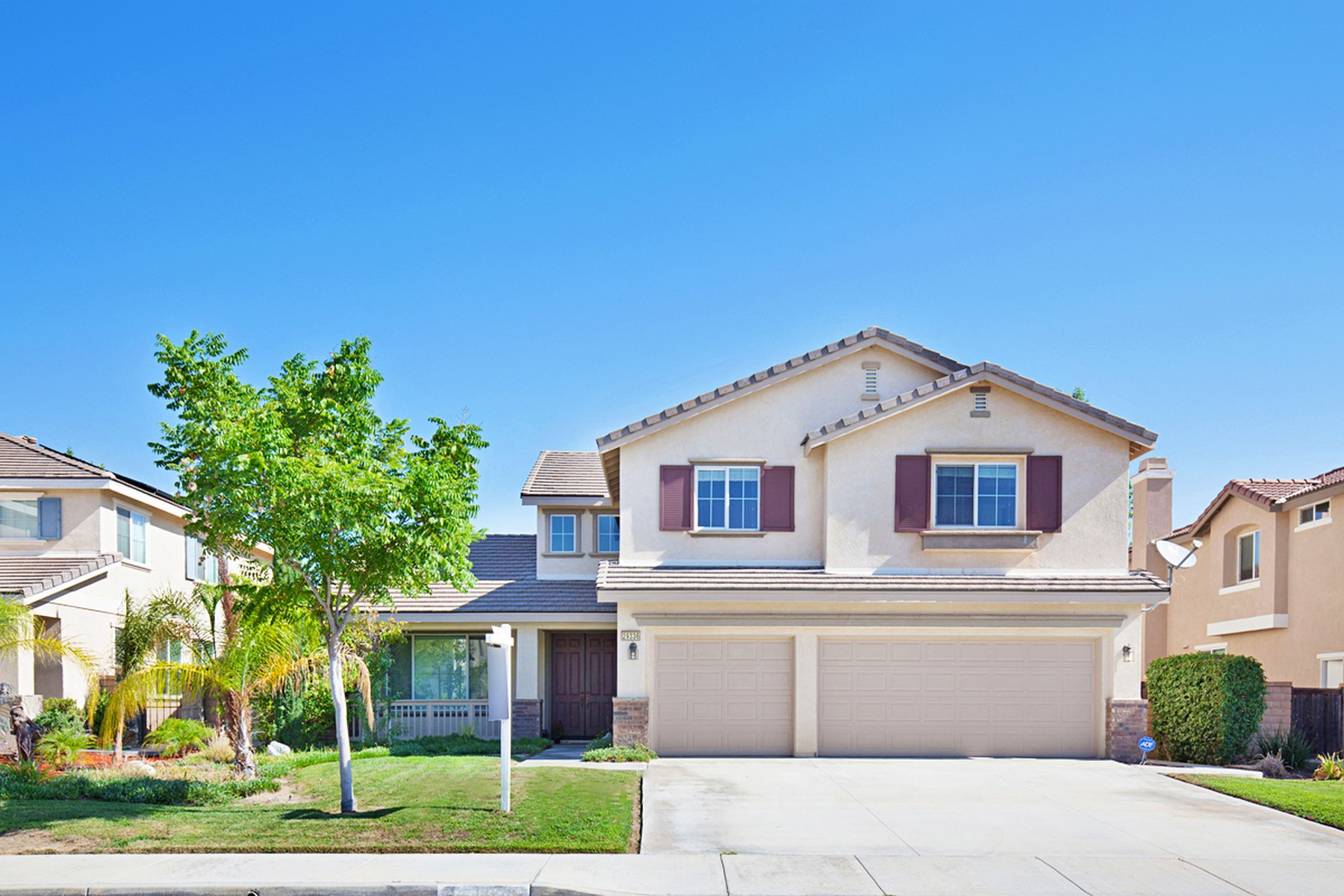 Single Family Home for Sale at 29336 Ariel Street Murrieta, California 92563 United States