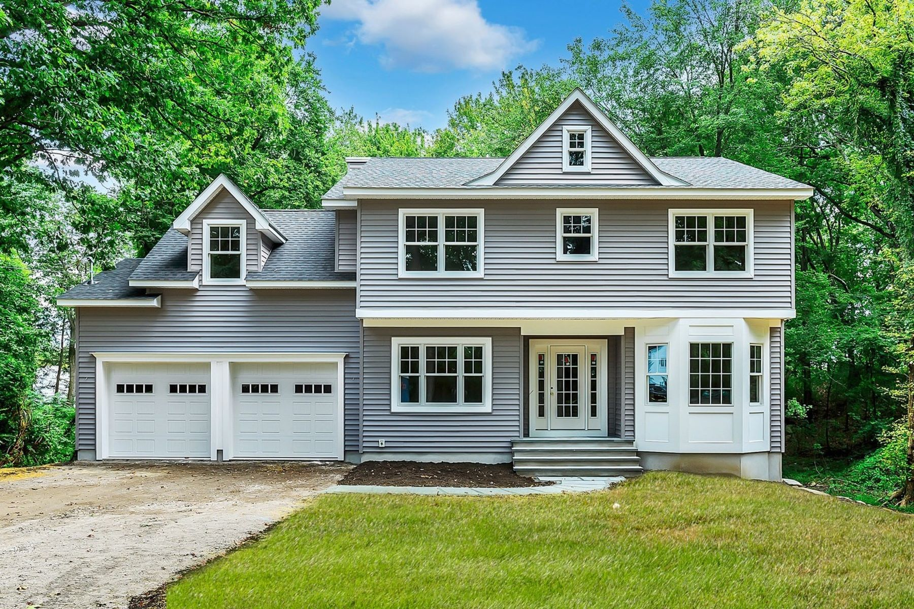 Single Family Homes for Active at Rare Opportunity New Construction 8 Rainbow Trail Mountain Lakes, New Jersey 07046 United States
