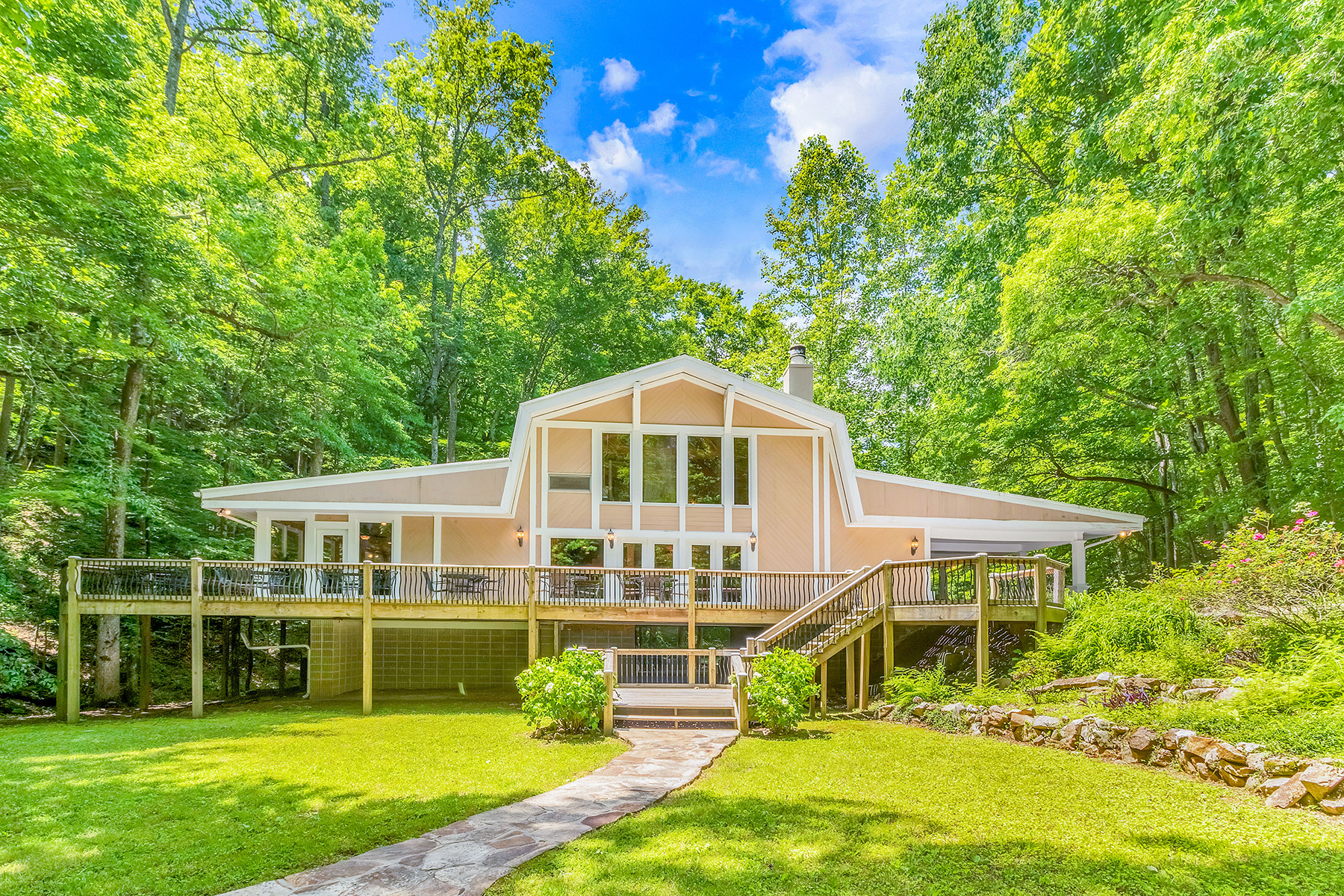 Single Family Homes のために 売買 アット Private North Georgia Wedding Venue 0 Luke Lane, Rising Fawn, ジョージア 30738 アメリカ
