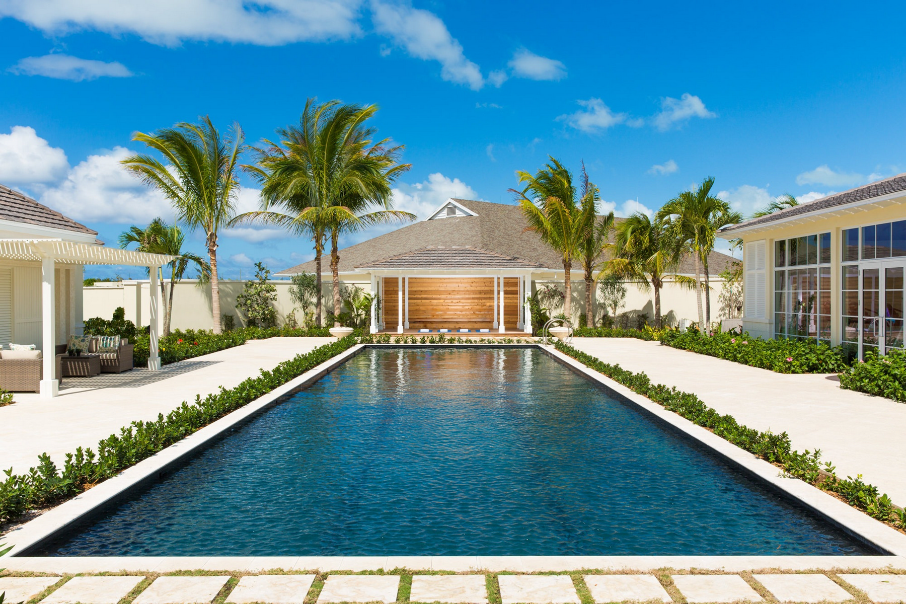 Additional photo for property listing at The Shore Club ~ Suite 1201.02.03 Beachfront Long Bay, Providenciales TCI Turks And Caicos Islands
