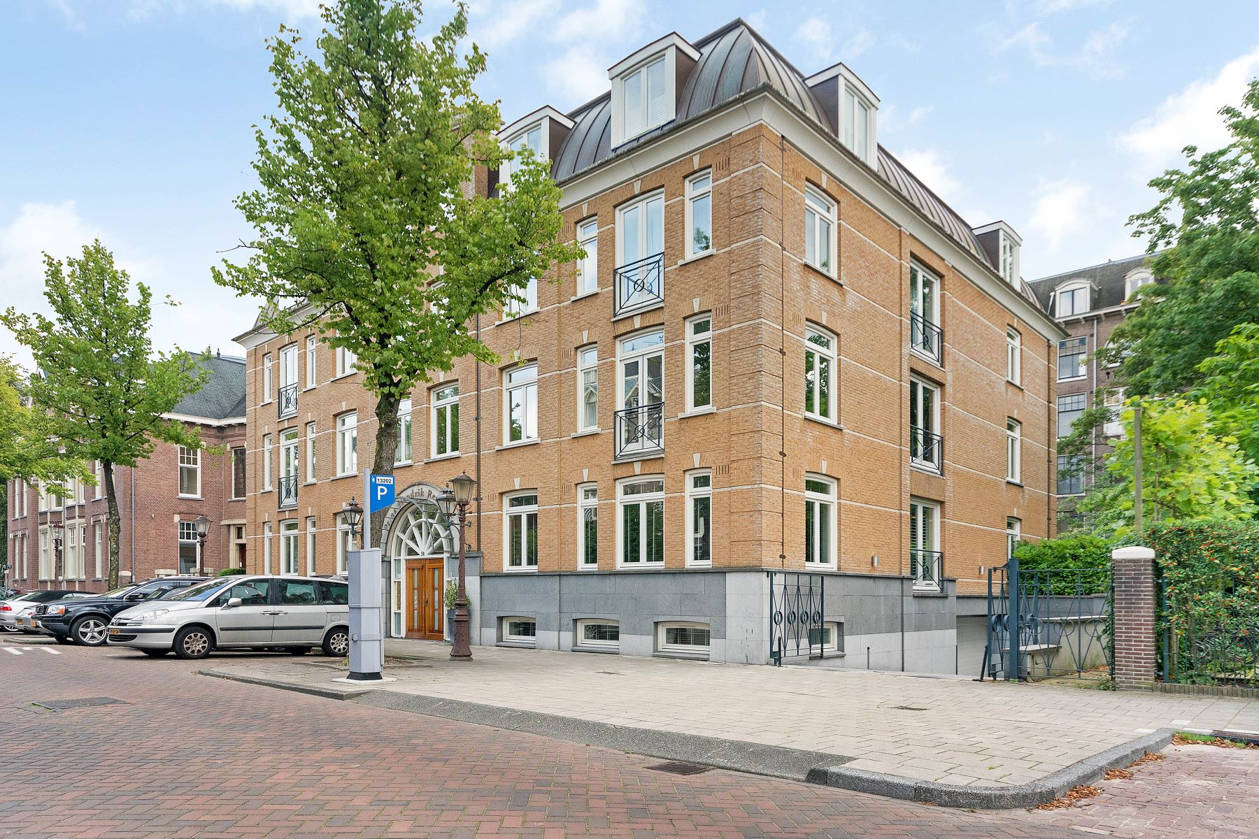 "Apartment for Active at Apartment ""Prins Hendrik Residence"" Prins Hendriklaan 31 A Amsterdam, North Holland 1075 AZ Netherlands"