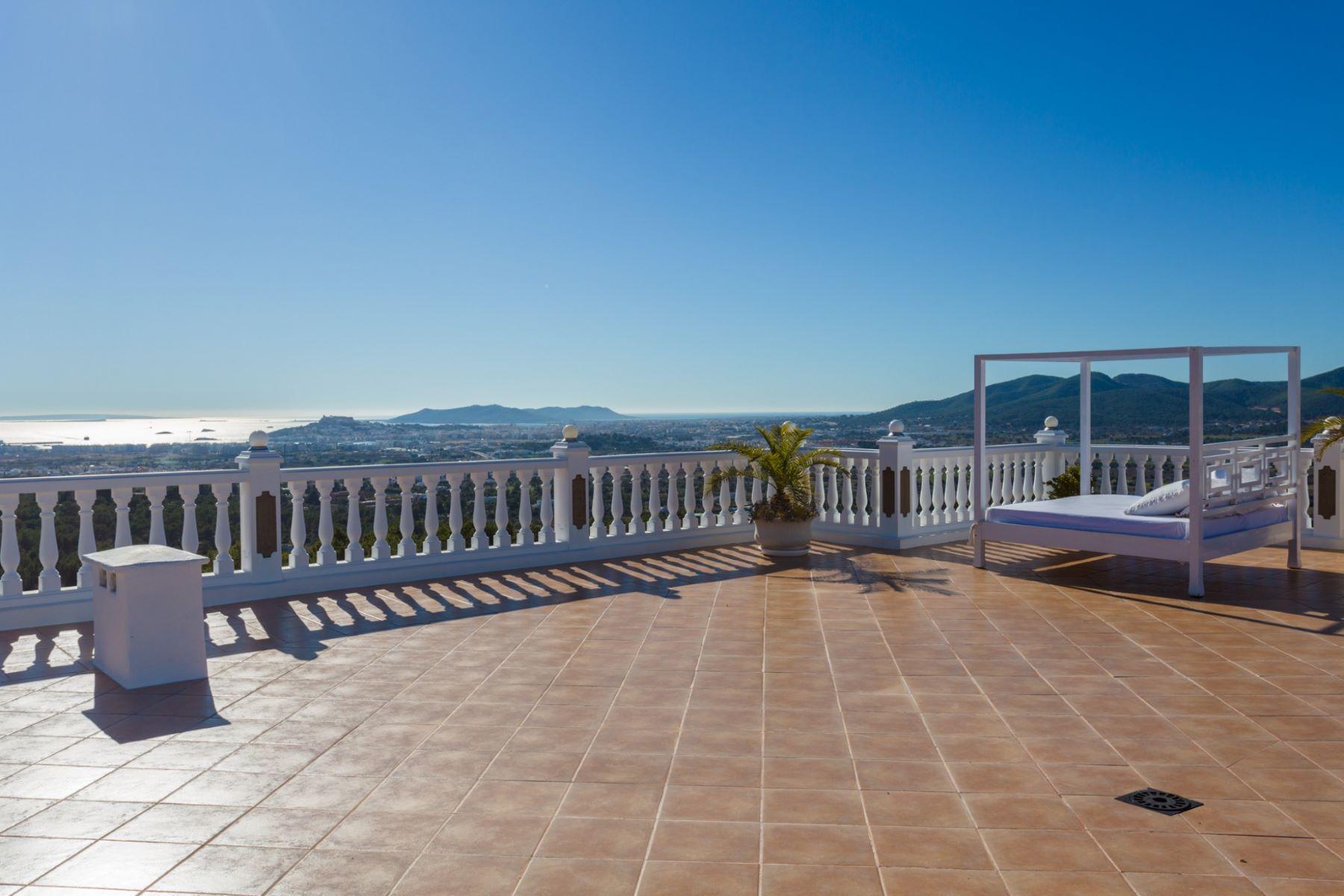 为 销售 在 Stunning Villa In Can Furnet 伊维萨, 西亚特, 07800 西班牙