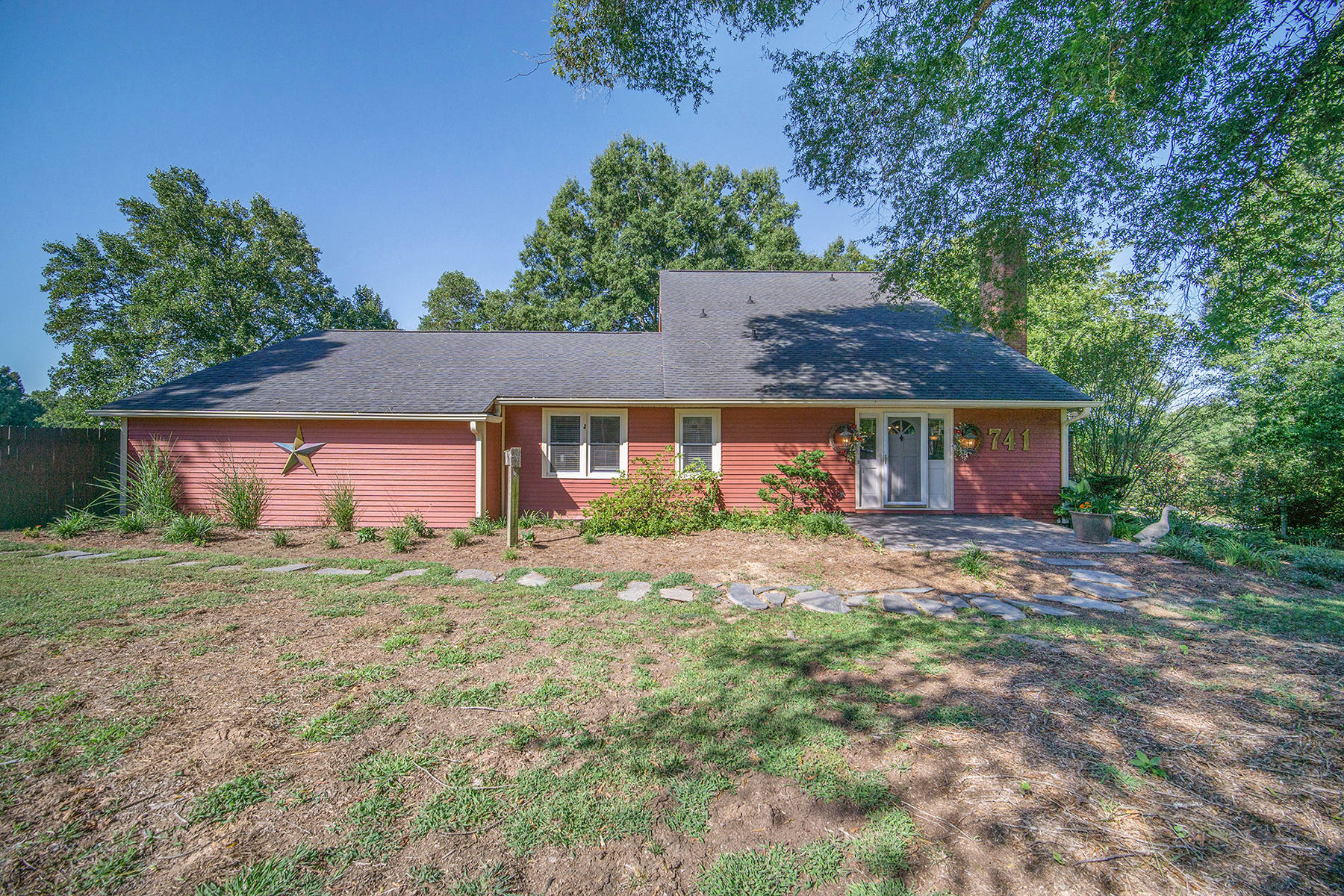 Single Family Homes 为 销售 在 741 Sherwin Ln, 康科德, 北卡罗来纳州 28025 美国