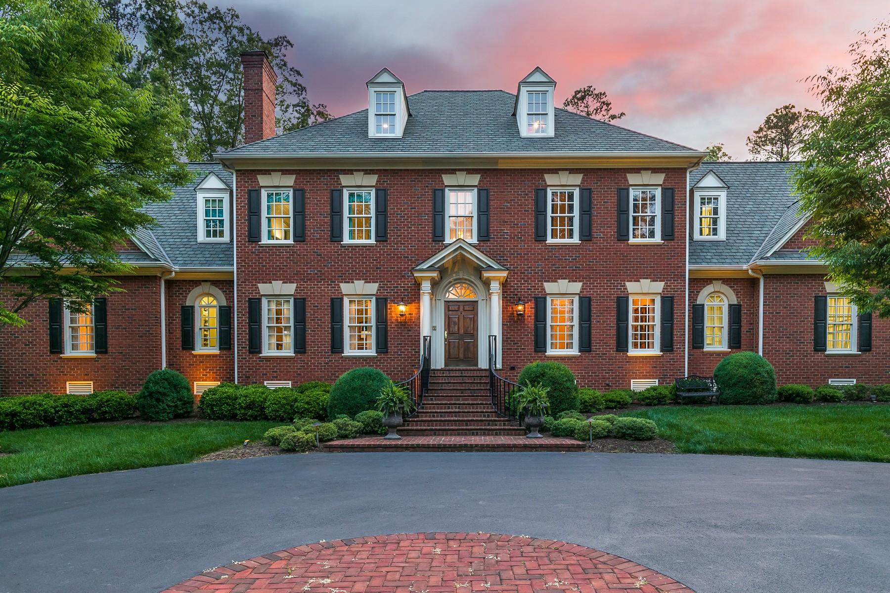 Single Family Homes pour l Vente à 309 Wickham Glen Drive Richmond, Virginia 23238 États-Unis