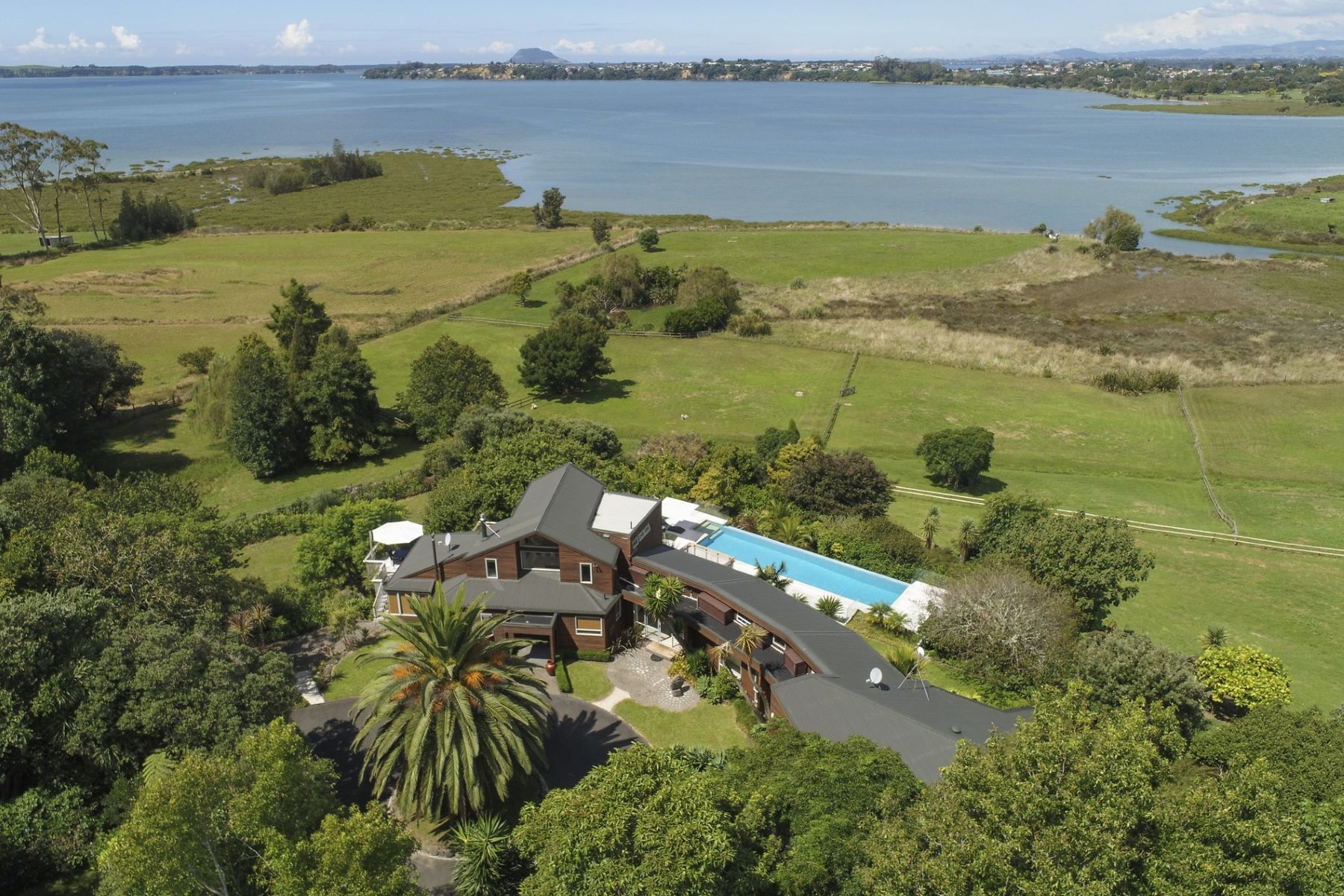 Single Family Home for Sale at Marua Lodge 306 and 306C Pahoia Road Pahoia Point Tauranga, Bay Of Plenty 3176 New Zealand
