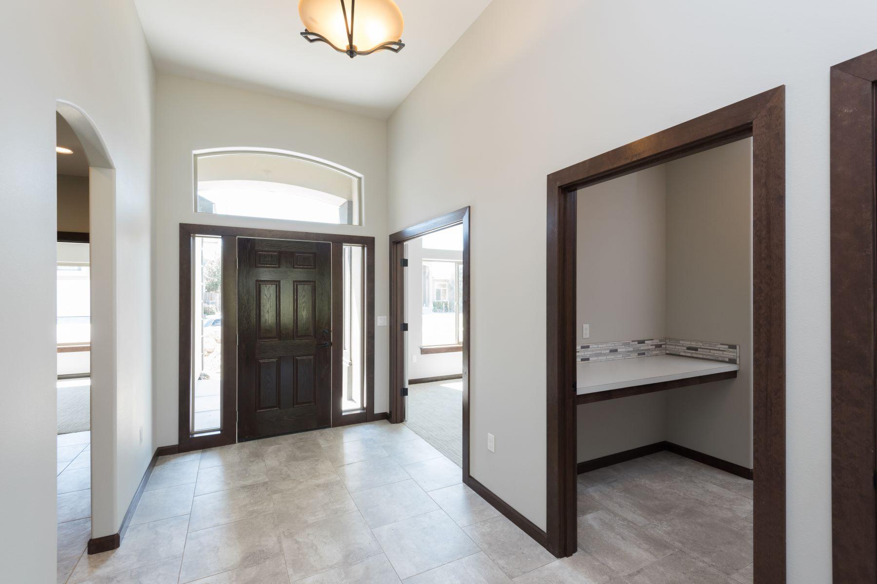 واحد منزل الأسرة للـ Sale في New 1 Story, 4 Bedroom, 2 bath Split Bedroom, Stucco Home 6616 West 38th Avenue, Kennewick, Washington, 99338 United States