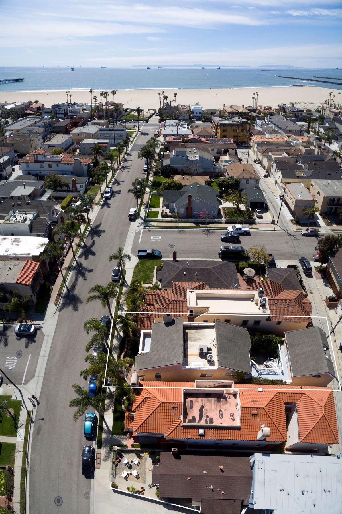 Частный односемейный дом для того Продажа на 205 4th Street Seal Beach, Калифорния 90740 Соединенные Штаты