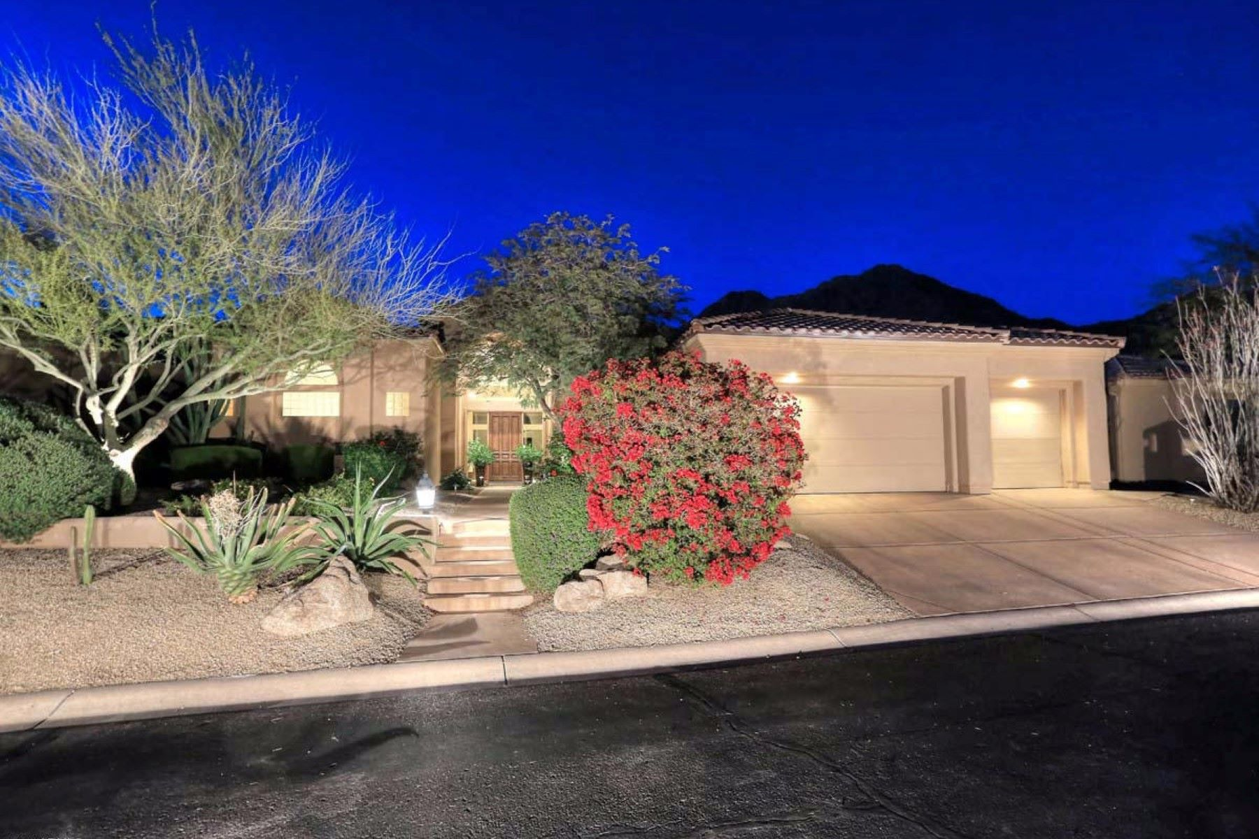 Single Family Home for Sale at Truly exceptional home in Scottsdale Mountain 13664 E Wetherfield Rd Scottsdale, Arizona, 85259 United States