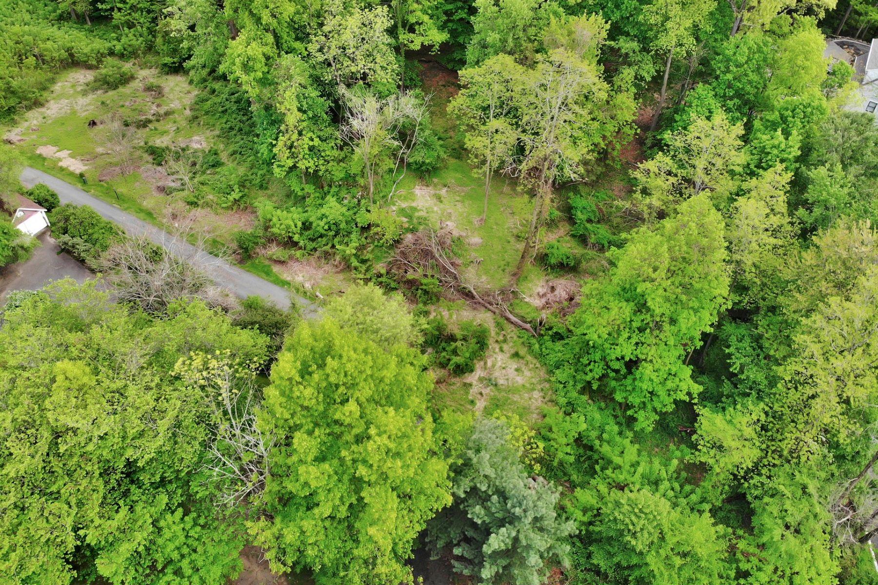 Mark för Försäljning vid Amazing opportunity to build your dream home 32 Rockleigh Rd, Rockleigh, New Jersey 07647 Förenta staterna
