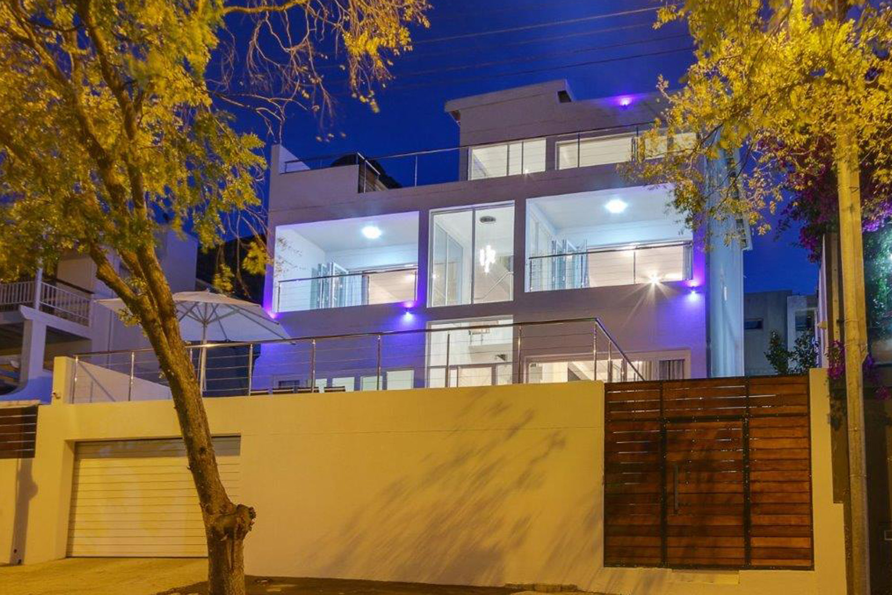 Single Family Home for Sale at Fresnaye Cape Town, Western Cape, 8001 South Africa