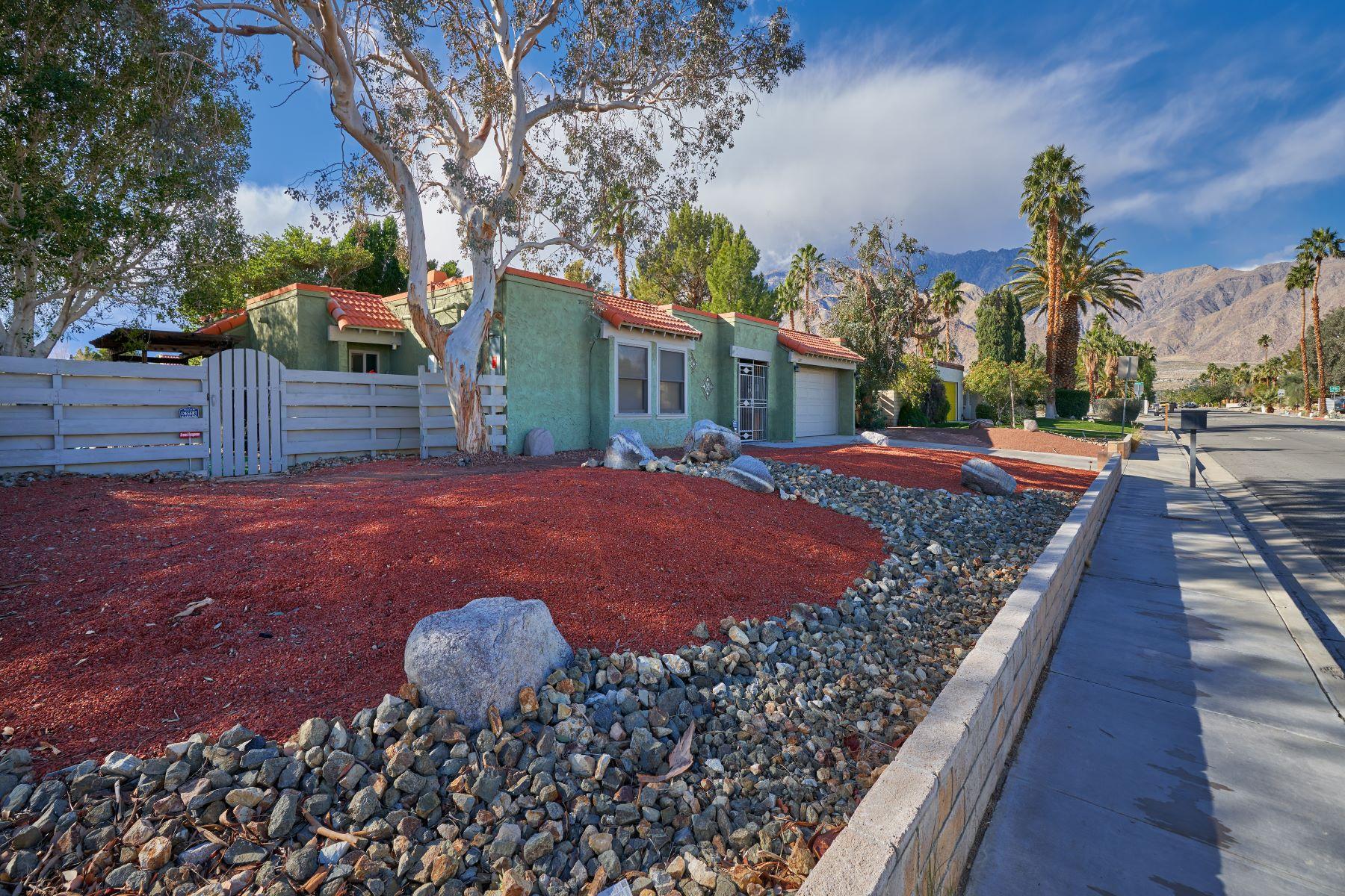 独户住宅 为 销售 在 1395 E Via Escuela 棕榈泉, 加利福尼亚州, 92262 美国