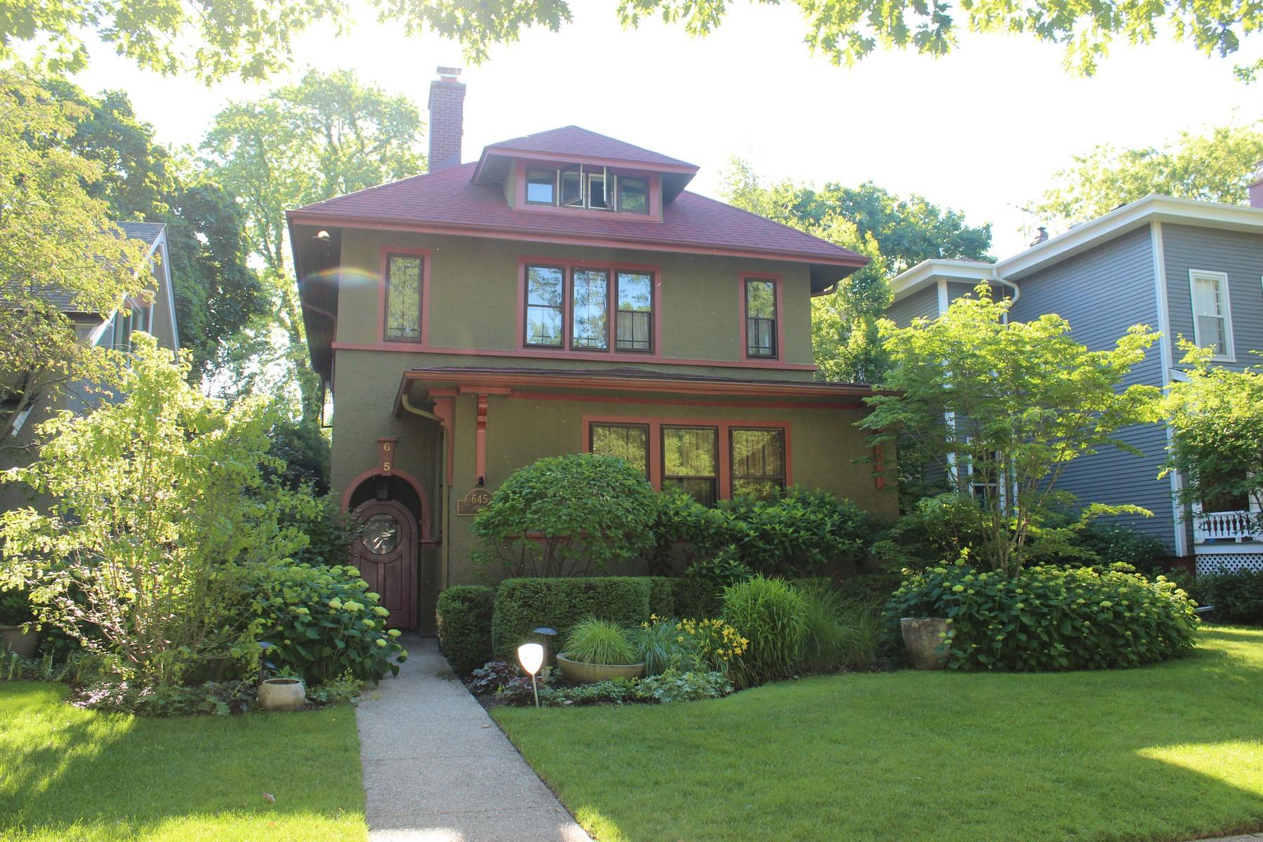 Villa per Vendita alle ore Prairie-Style Home in Lakeshore Historic District 645 Forest Avenue, Evanston, Illinois, 60202 Stati Uniti