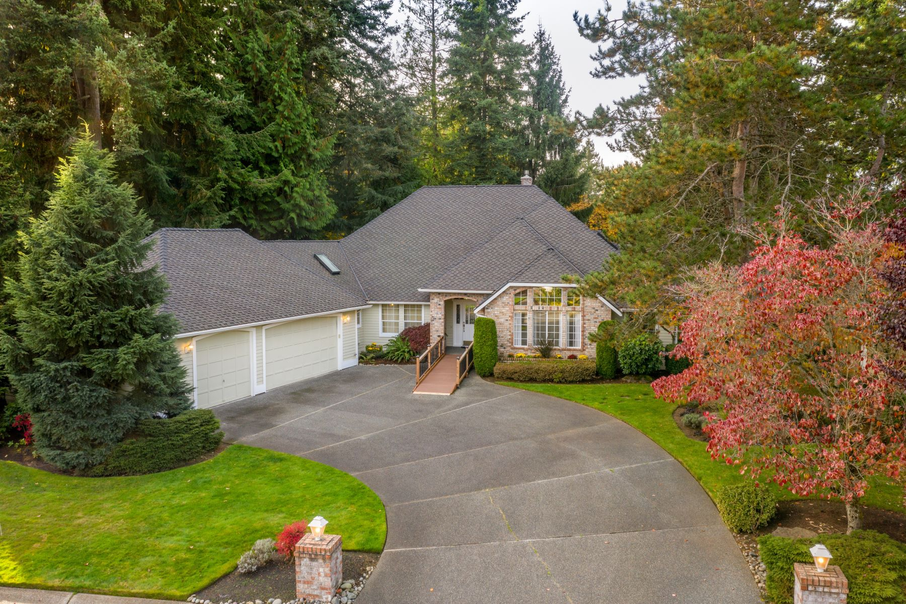 Single Family Homes for Sale at Incomparable Mill Creek Living 14906 19th Ave SE Mill Creek, Washington 98012 United States