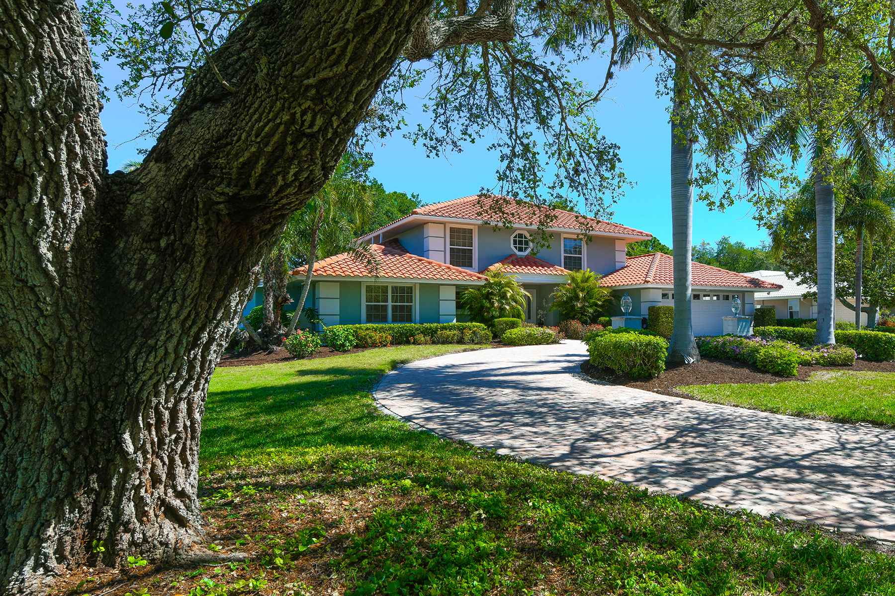 single family homes for Active at SOUTHBAY YACHT & RACQUET CLUB 461 Yacht Harbor Dr Osprey, Florida 34229 United States