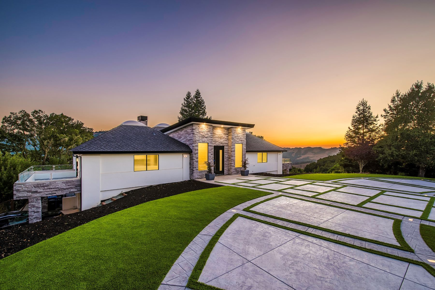 Single Family Homes for Sale at Stately Sleepy Hollow Estate 99 Tappan Lane Orinda, California 94563 United States