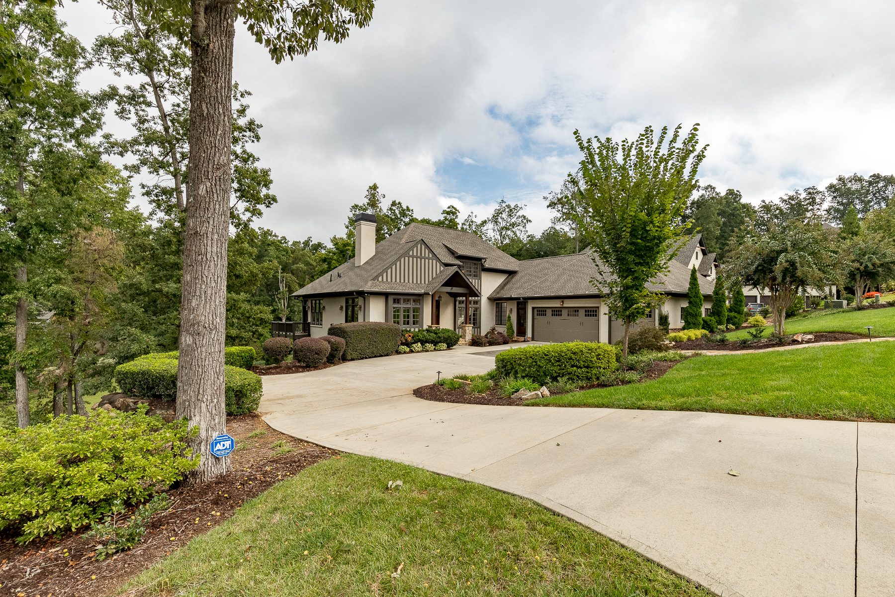 Single Family Homes for Sale at Fabulous Views in Montebello 204 Sorrento Drive Greenville, South Carolina 29609 United States