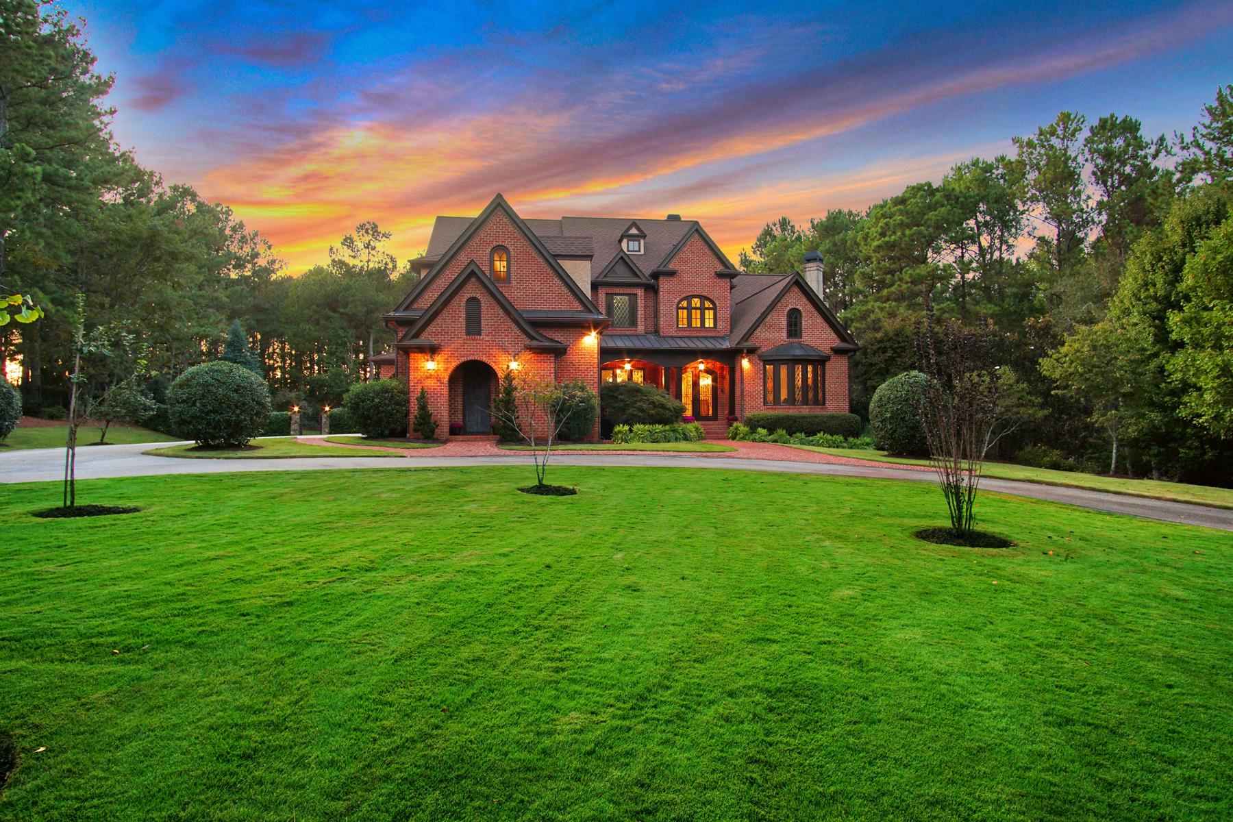 Single Family Homes için Satış at Elegant Custom Home In Crystal Hills 1070 Tulipwood Lane, Atina, Georgia 30606 Amerika Birleşik Devletleri