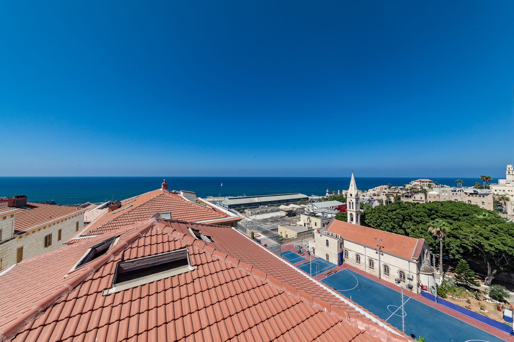 Additional photo for property listing at Divine Duplex Penthouse overlooking Old Jaffa Port Tel Aviv, Israel Israel