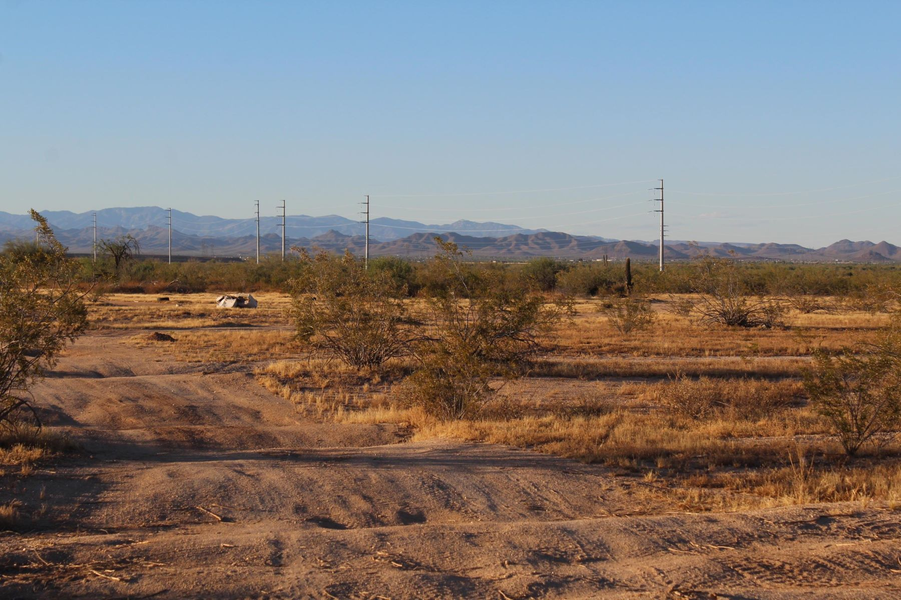 土地,用地 为 销售 在 20 acre lot in Surprise 0 N 219th Ave, 惊喜, 亚利桑那州, 85374 美国