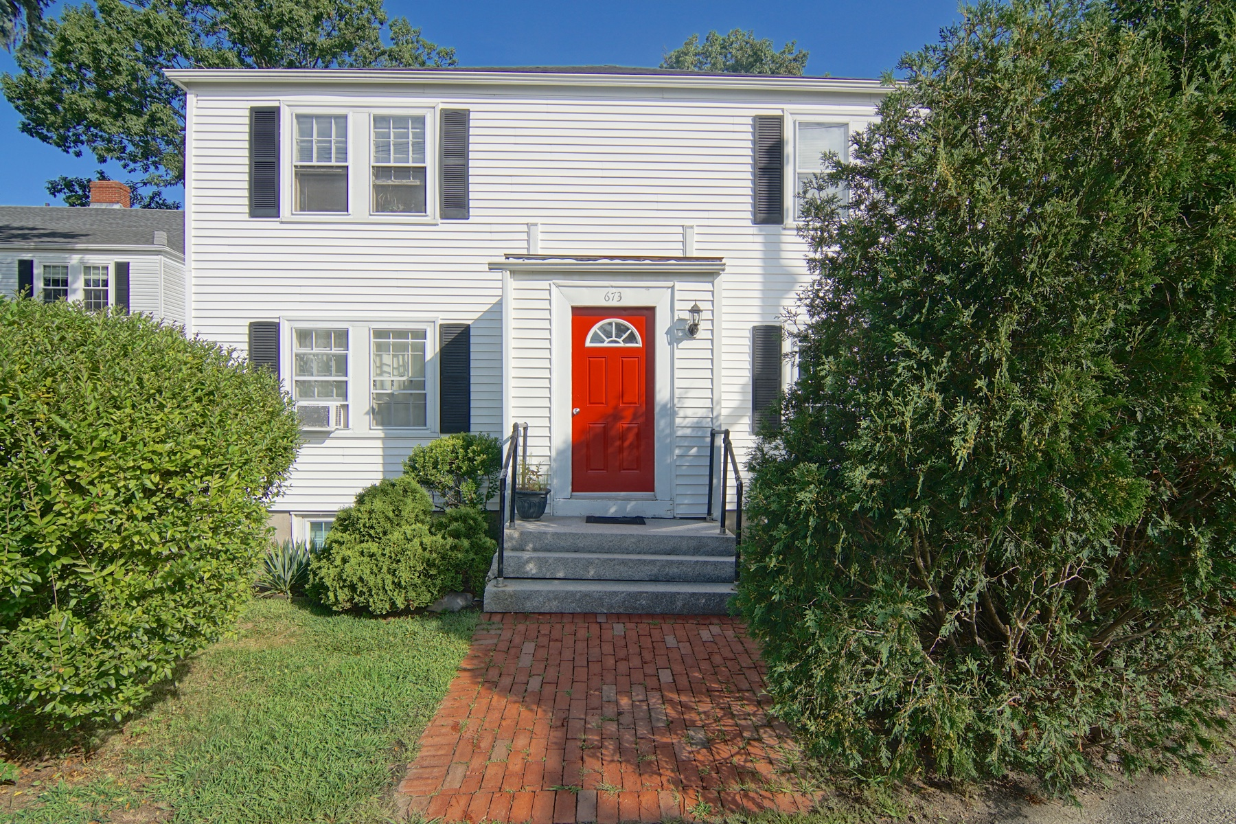 Condominiums for Sale at Little Harbor Condominium 673 South Street Unit 3 Portsmouth, New Hampshire 03801 United States