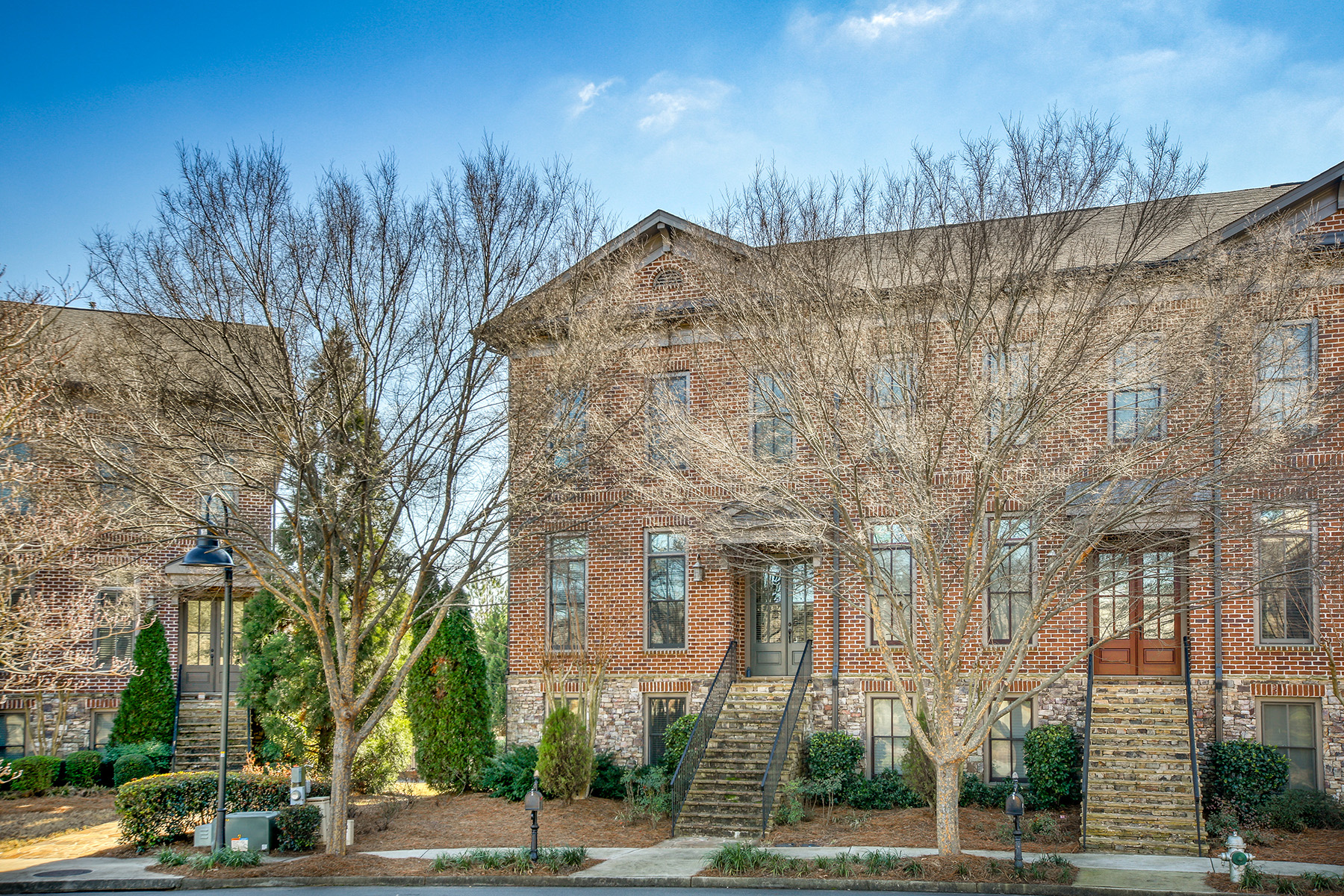 Townhouse for Rent at Elegant Roswell Townhome In Gated Community 2010 Heathermere Way Roswell, Georgia 30075 United States