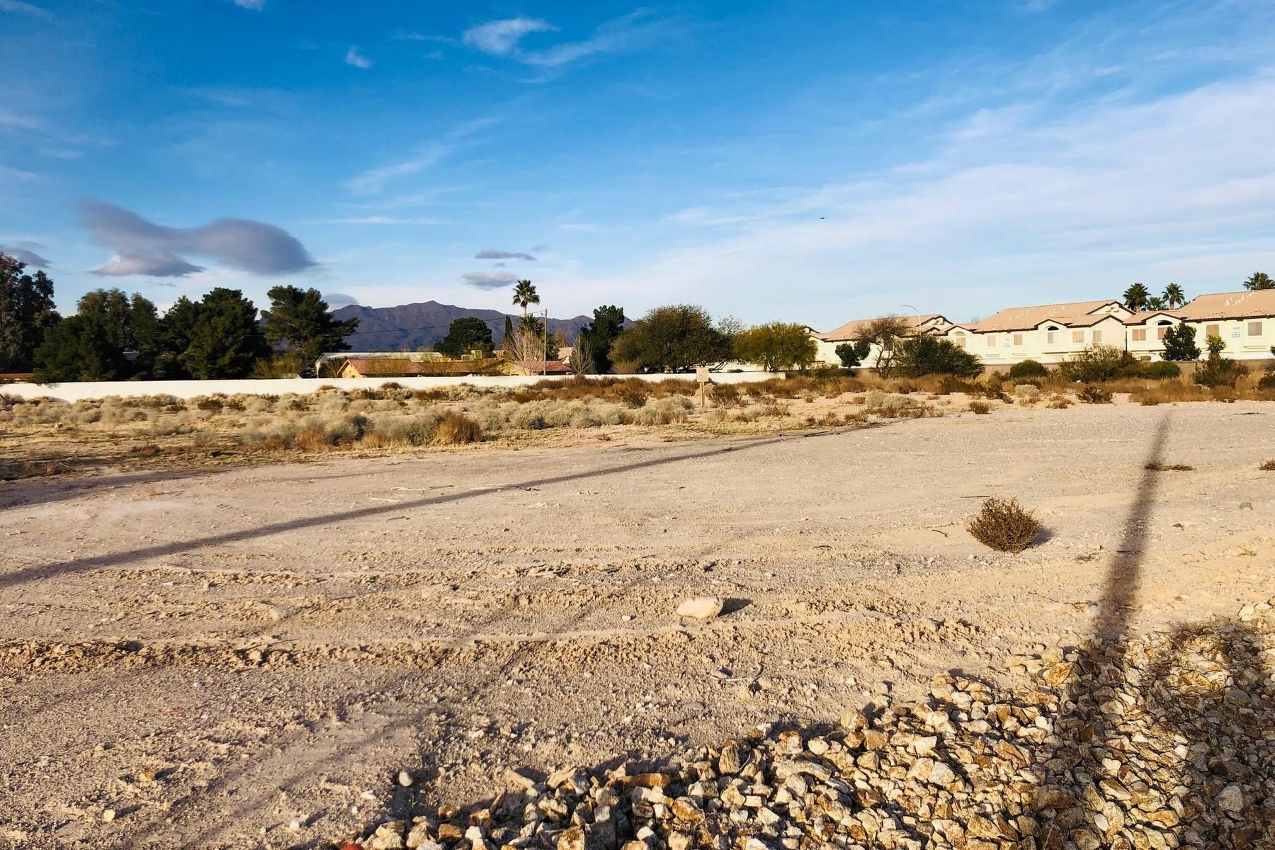Terreno por un Venta en 2 Acre Parcel NW Corner of Tenaya and Lone Mountain Tenaya Las Vegas, Nevada 89149 Estados Unidos