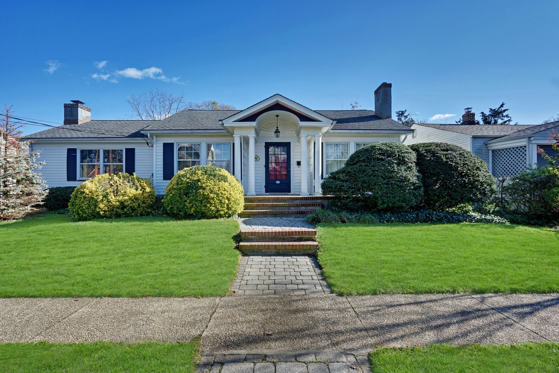 Single Family Homes for Sale at Perfect In-Town Location 38 Pearce Avenue Manasquan, New Jersey 08736 United States