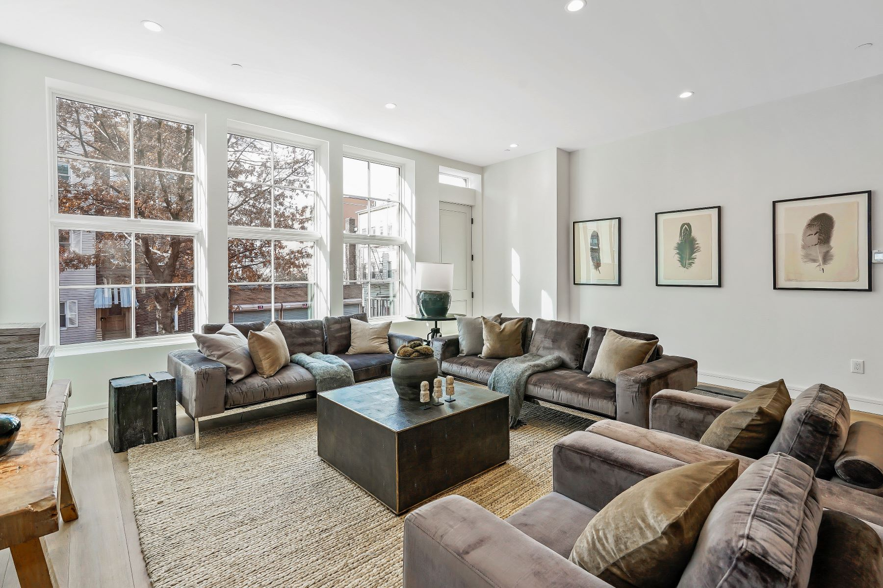 Condominiums por un Venta en 102 Huron Street Greenpoint 102 Huron Street 2B Brooklyn, Nueva York 11222 Estados Unidos