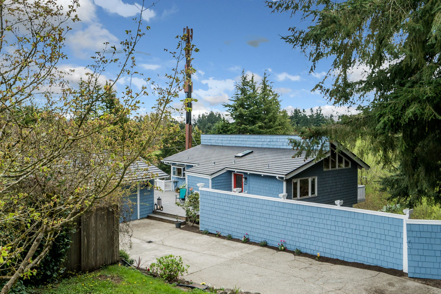Single Family Home for Sale at Hidden Gem in Phantom Lake 15500 SE 17th St Bellevue, Washington, 98007 United States