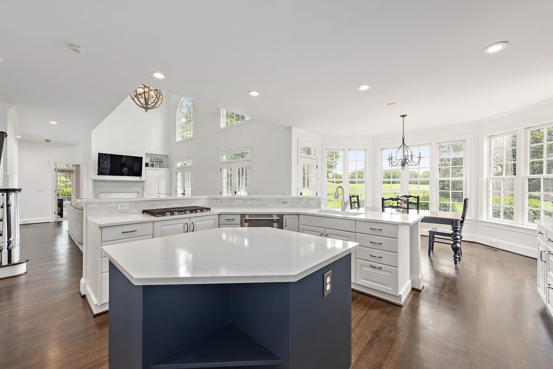 Additional photo for property listing at THE PENINSULA 18524 Peninsula Club Dr, Cornelius, North Carolina 28031 United States