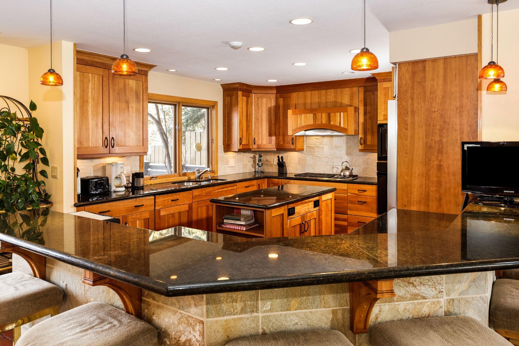 дуплекс для того Продажа на 1/10th Interest 1412 Sierra Vista Drive, West Aspen, Aspen, Колорадо, 81611 Соединенные Штаты
