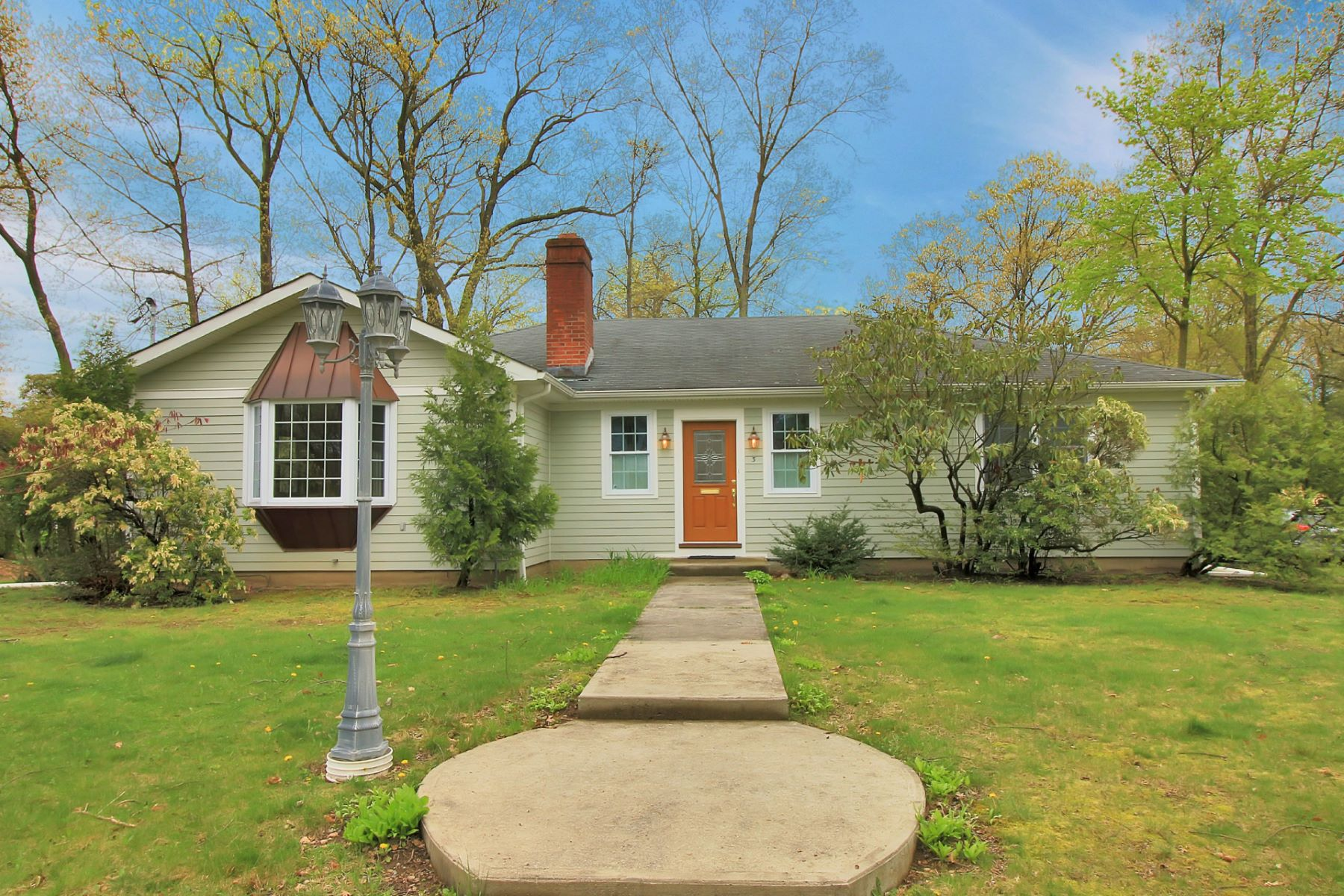 Single Family Home for Sale at Welcoming Walkway 3 Oak St Allendale, New Jersey 07401 United States