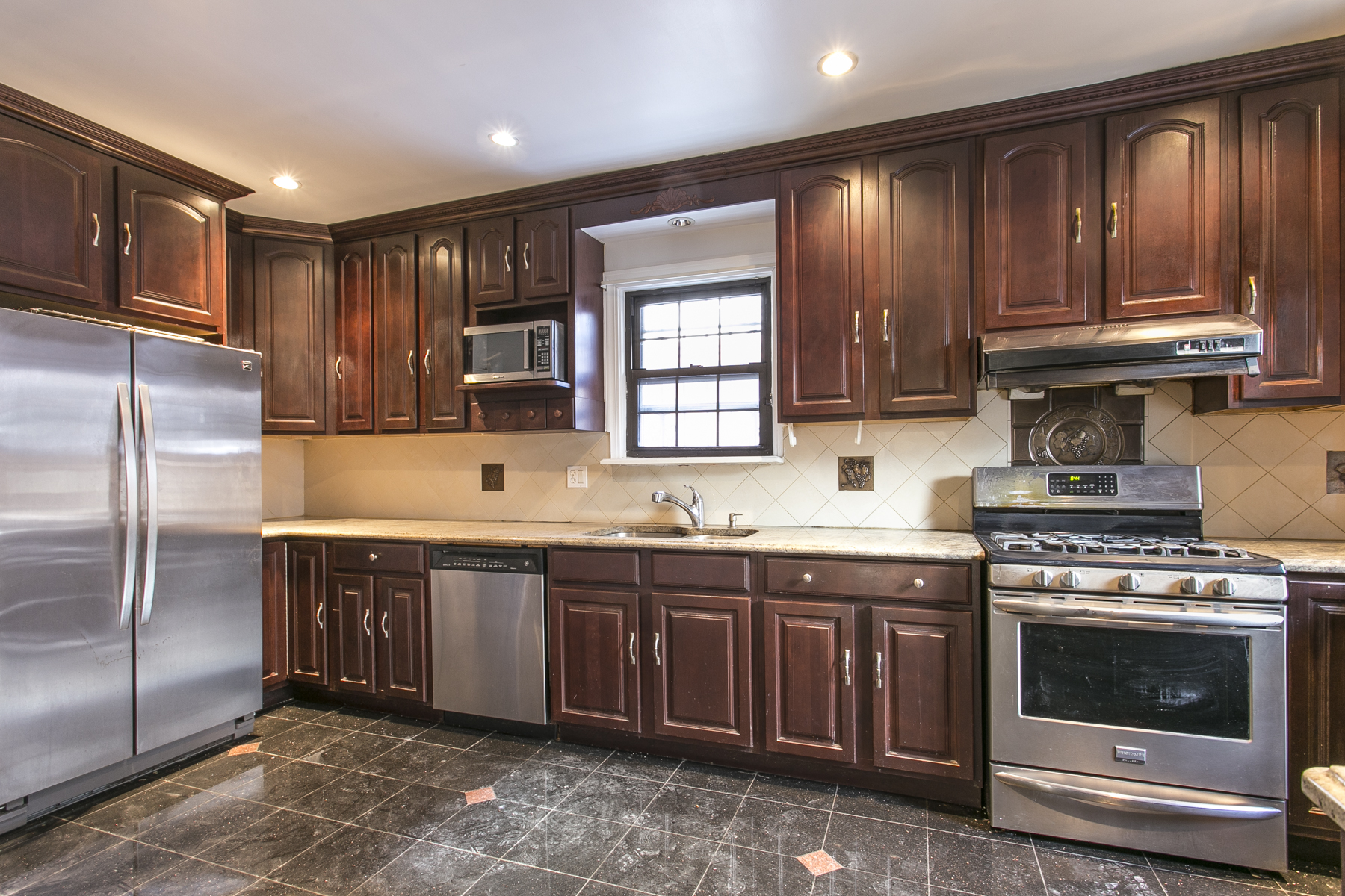 "Additional photo for property listing at ""GRAND TUDOR CLASSIC""  Forest Hills, New York 11375 United States"