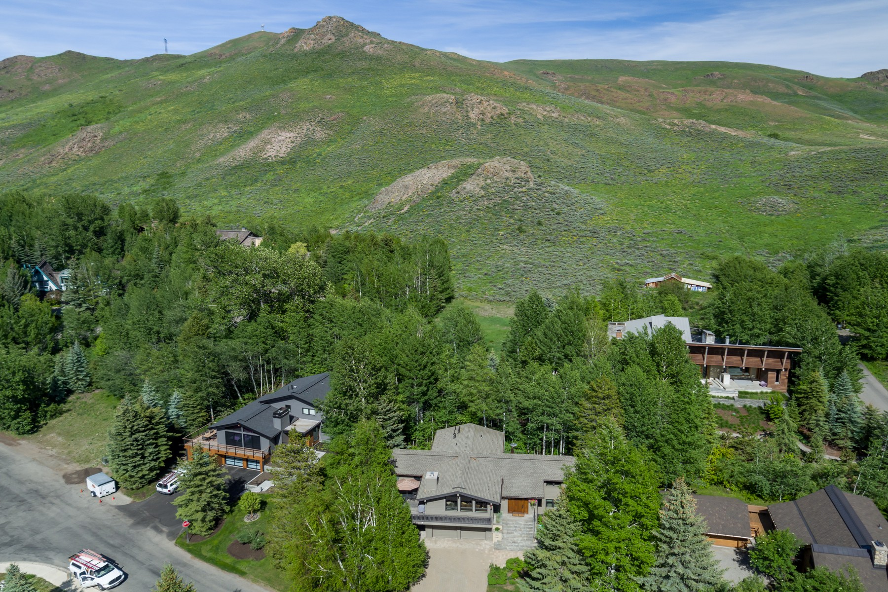 Additional photo for property listing at A Rare Find In Town 360 S Leadville Ave Ketchum, Idaho 83340 United States