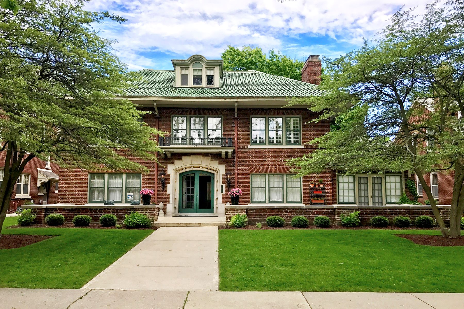 Single Family Home for Sale at Gracious East Side Colonial 3038 N. Shepard Avenue Milwaukee, Wisconsin 53211 United States