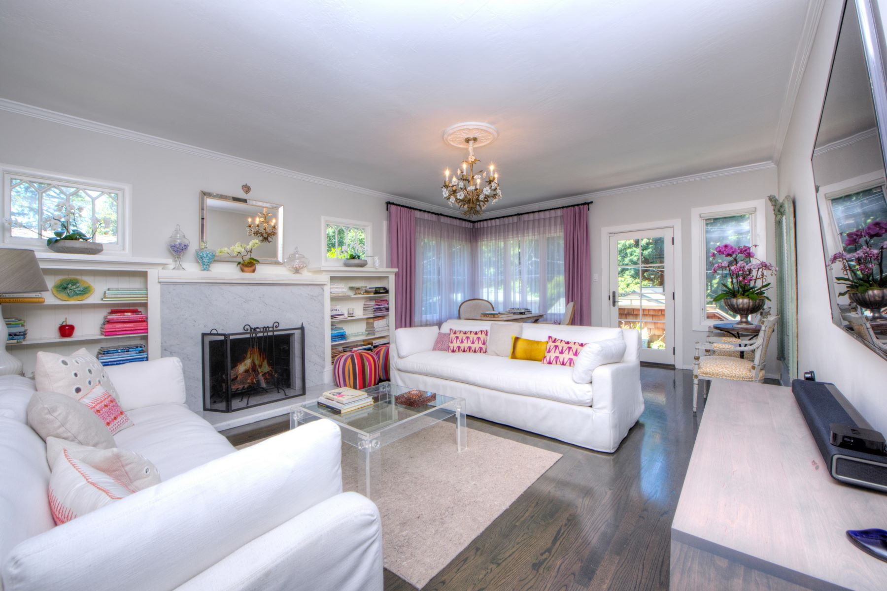 Single Family Home for Sale at Quintessential Mill Valley Charm 16 Parkwood Avenue Mill Valley, California 94941 United States