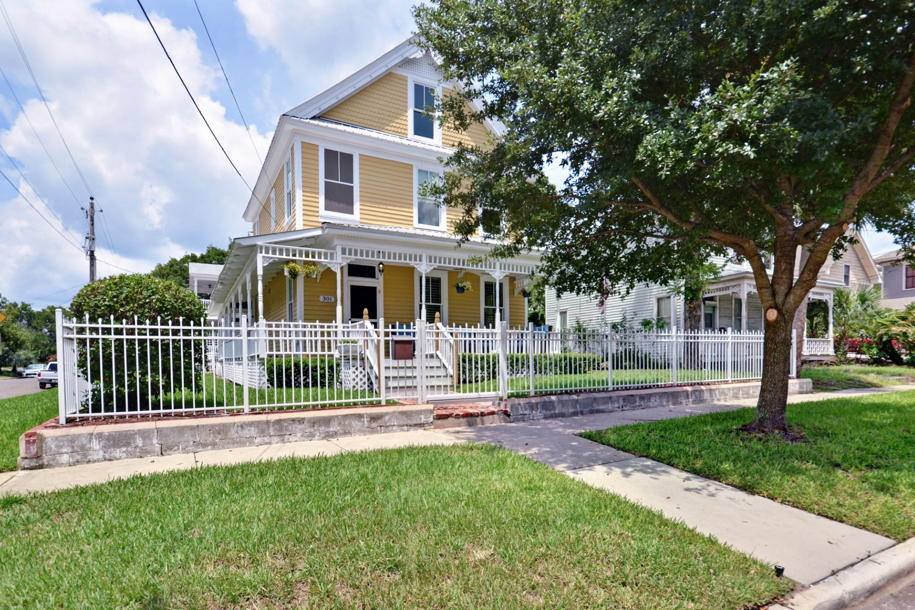 独户住宅 为 销售 在 301 Broome Street 斐南迪纳比奇, 佛罗里达州 32034 美国
