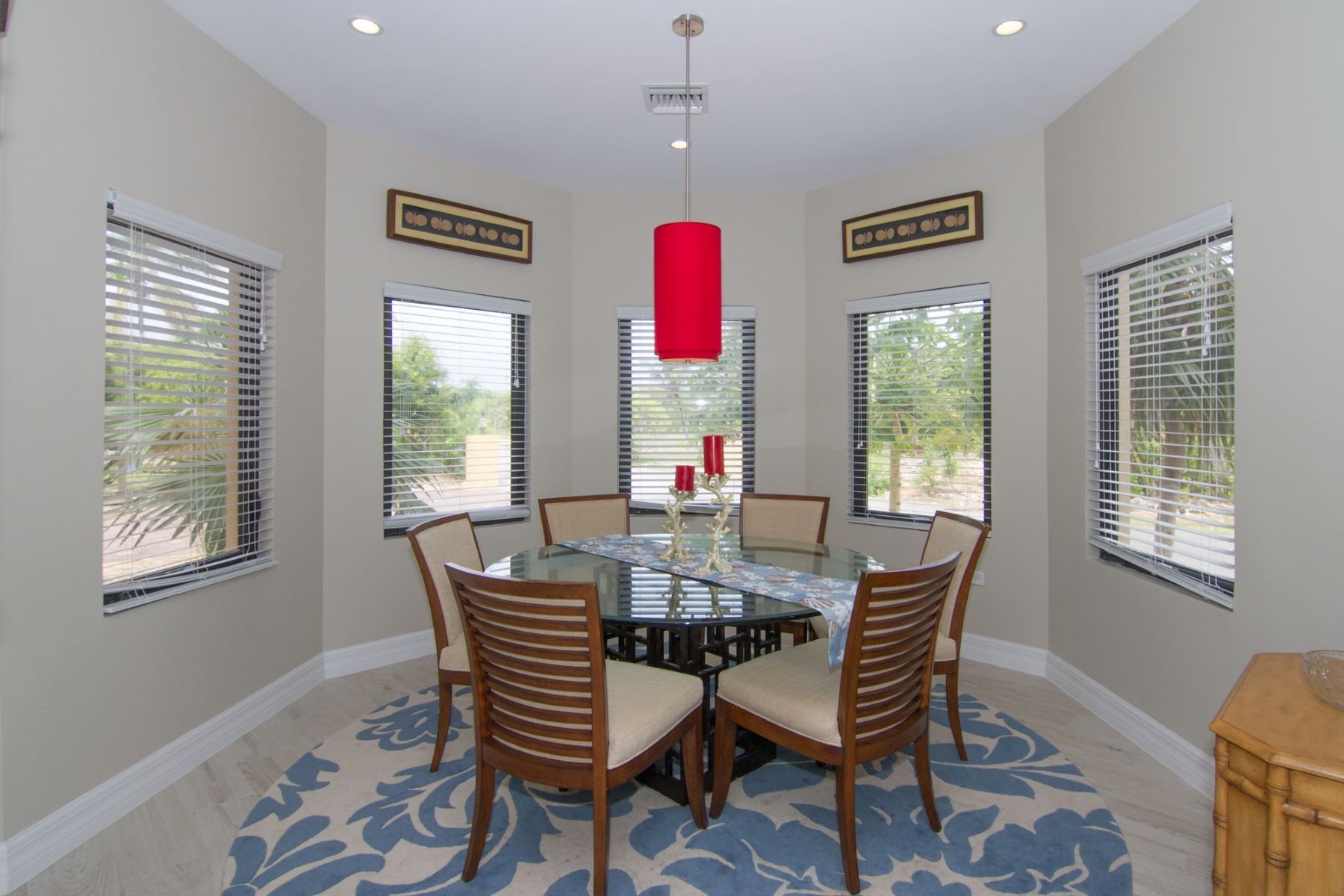 Additional photo for property listing at St James Court Villa Rental Savannah,  Cayman Islands