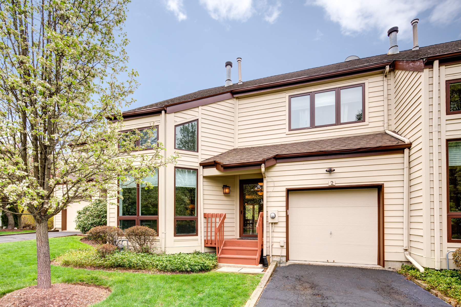 Townhouse for Sale at Wonderful Townhome 2 Franklin Court Bernardsville, New Jersey, 07924 United States