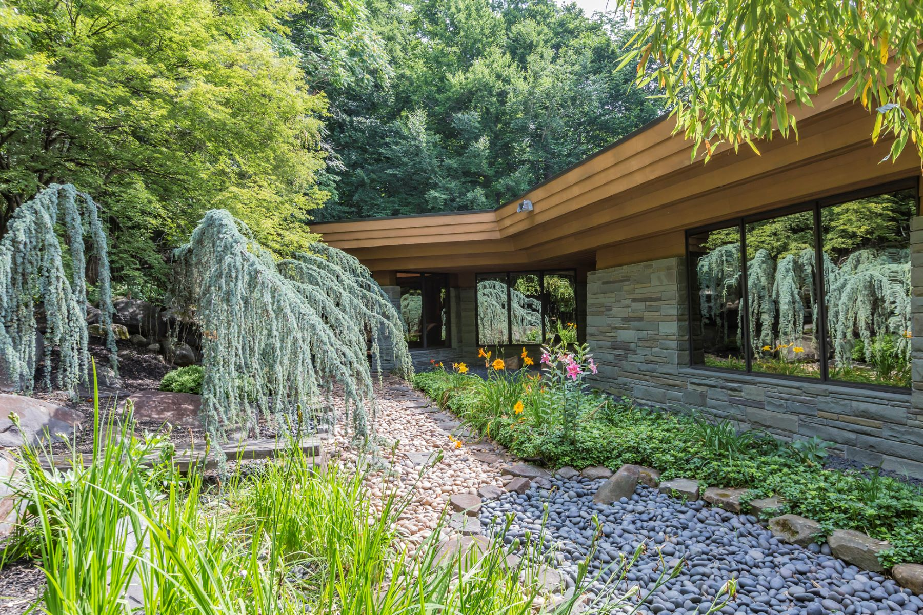 Additional photo for property listing at Inspired By Nature 1141 Stuart Road, Princeton, New Jersey 08540 United States