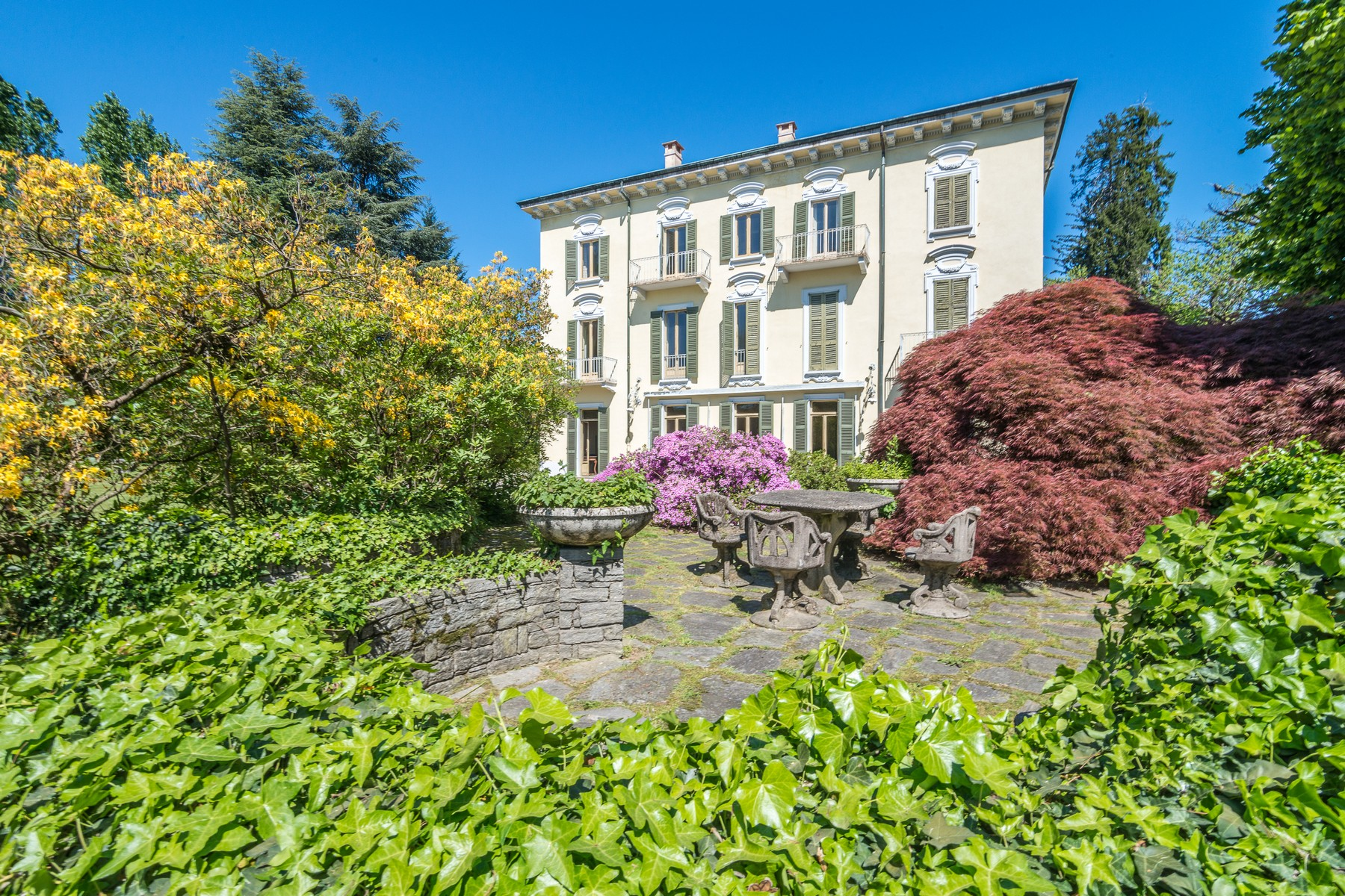 Single Family Home for Sale at Historical Villa surrounded by secular park Via Solferino Varese, Varese 21100 Italy