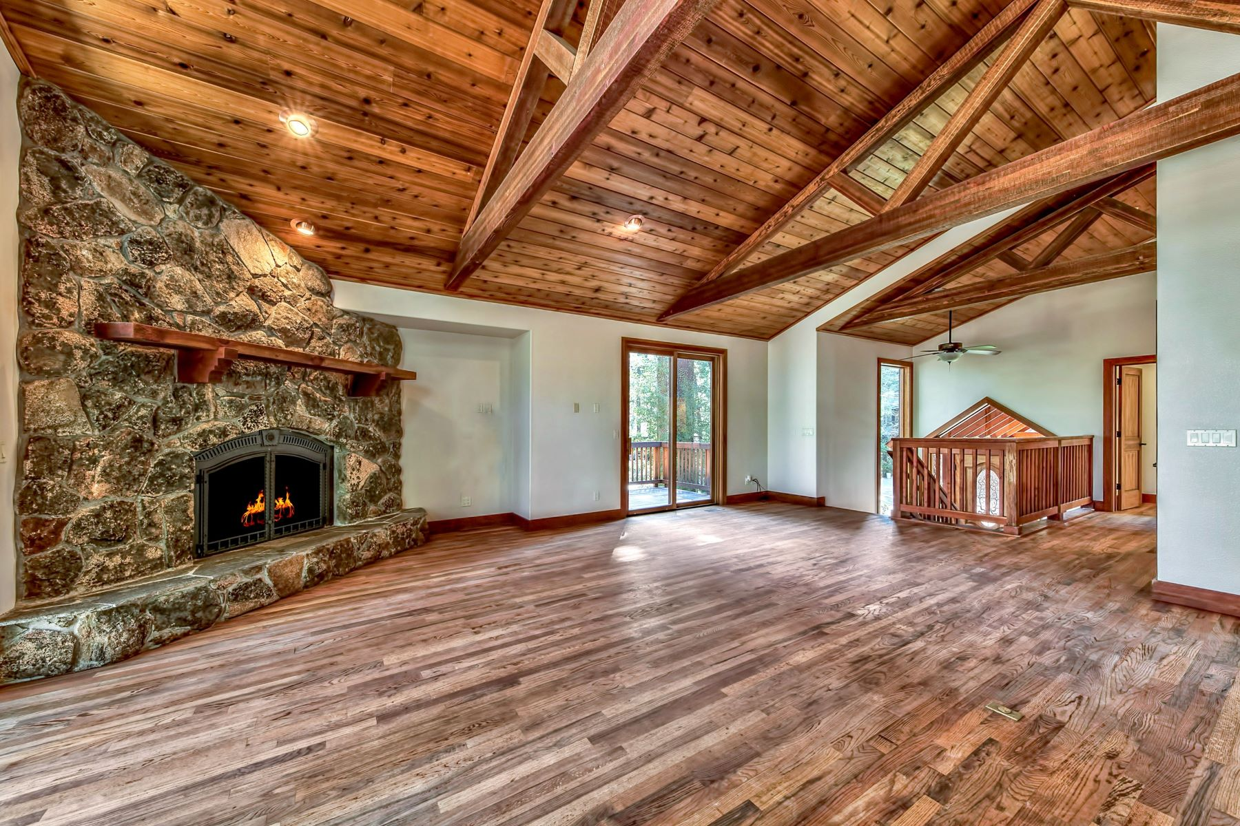 Additional photo for property listing at 945 Merced Ave, South Lake Tahoe, CA 96150 945 Merced Ave South Lake Tahoe, California 96150 United States