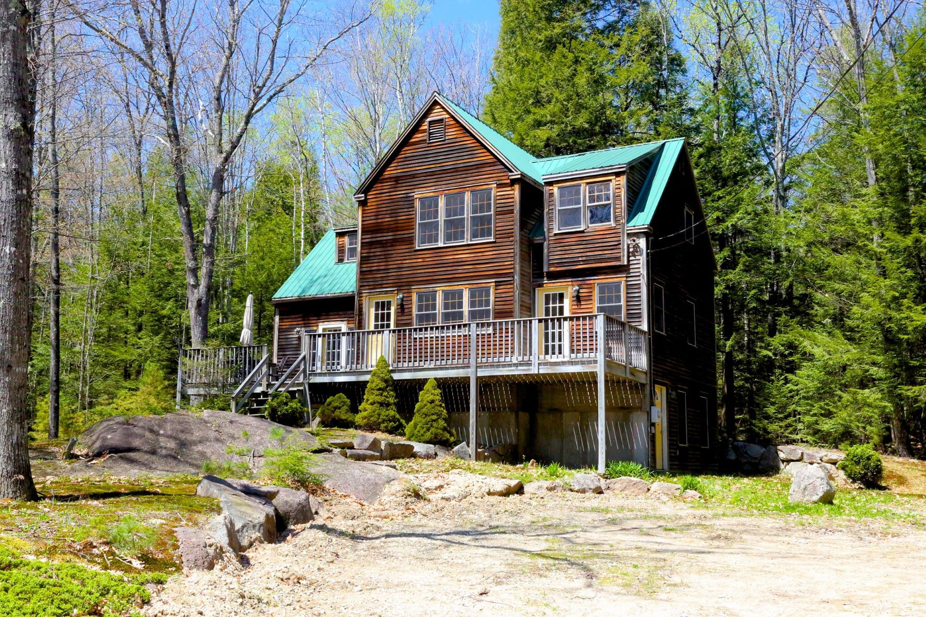 Single Family Home for Sale at Kezar Lake Shared Beach 184 Keyser St Sutton, New Hampshire 03260 United States