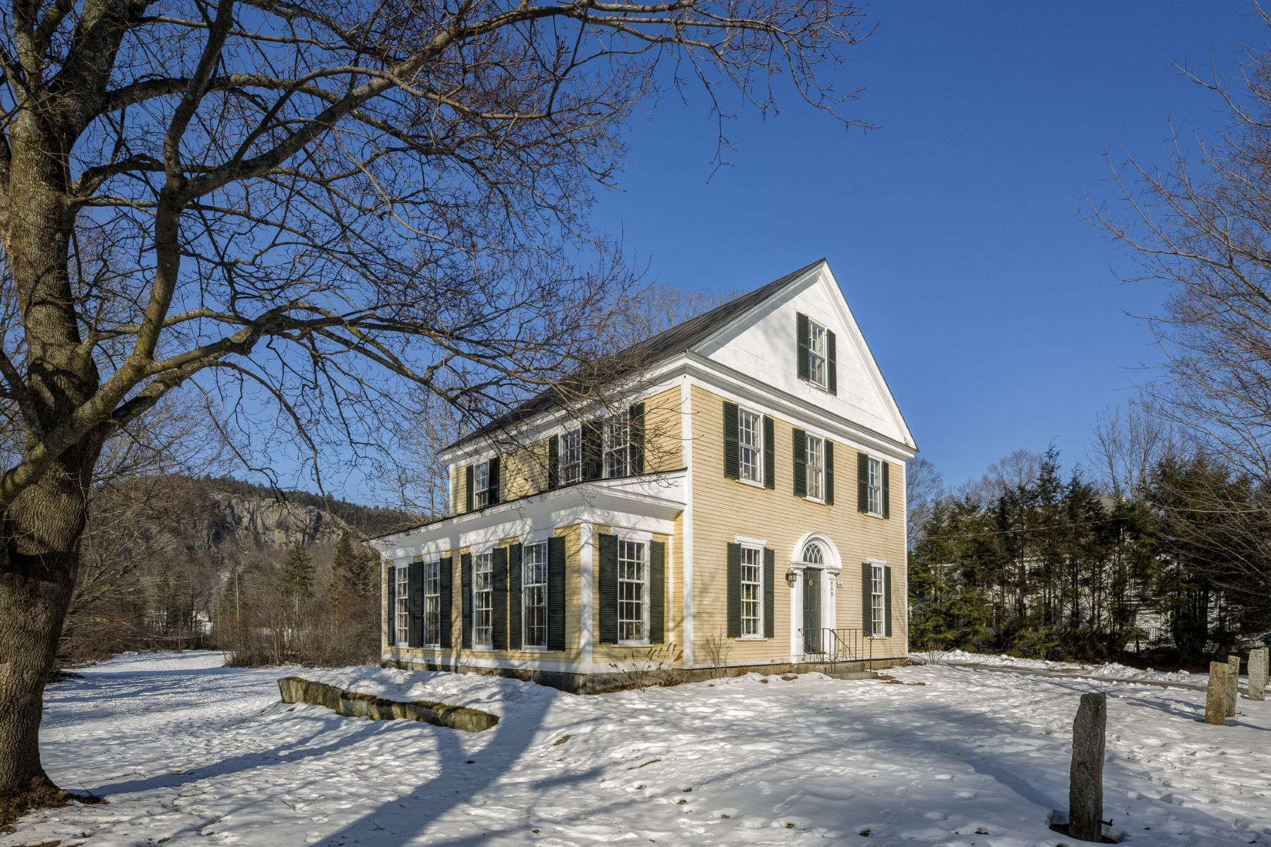 Single Family Home for Sale at Orford Greek Revival 589 Nh Route 10 Orford, New Hampshire 03777 United States